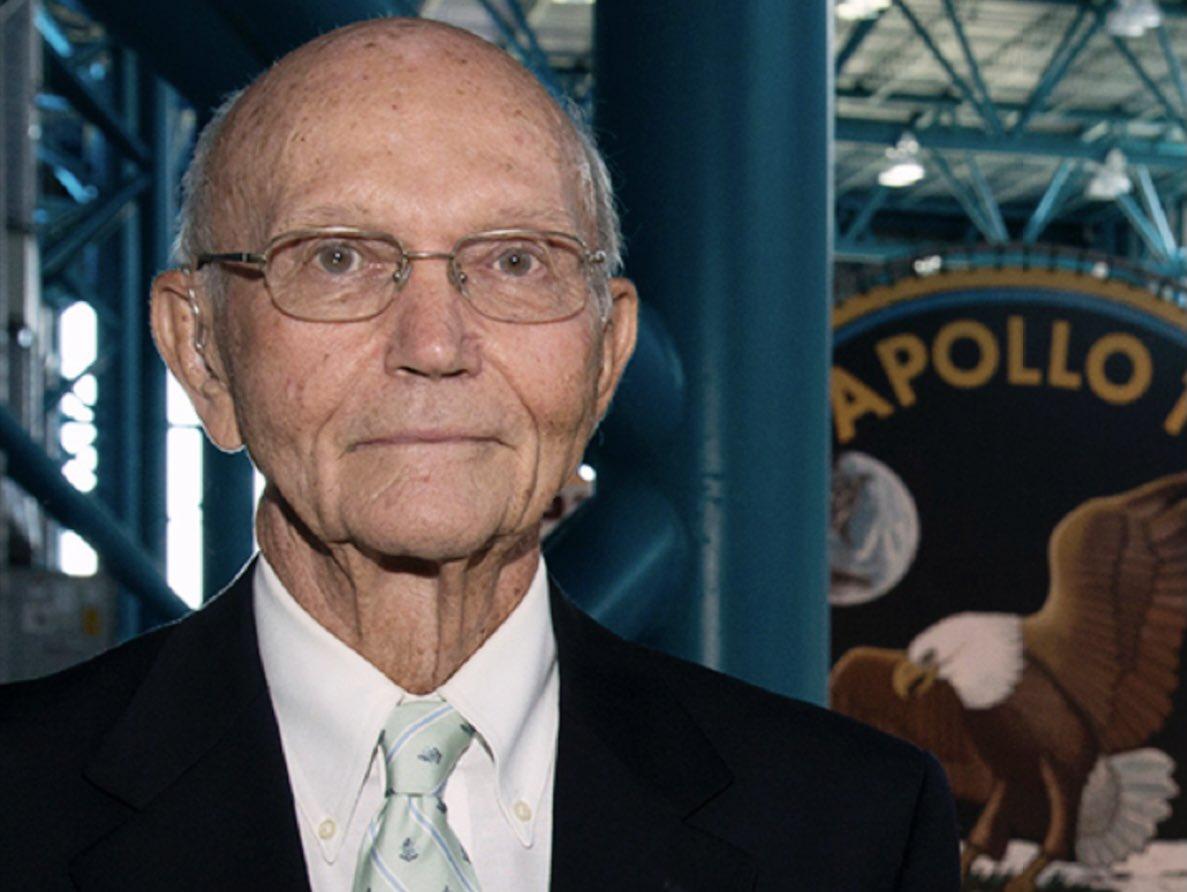 IMAGEM: Morre astronauta Michael Collins, aos 90 anos