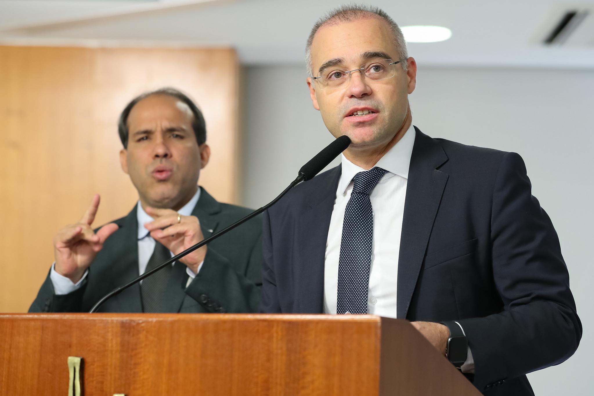 IMAGEM: Mendonça diz que não tem expectativas por vaga no STF