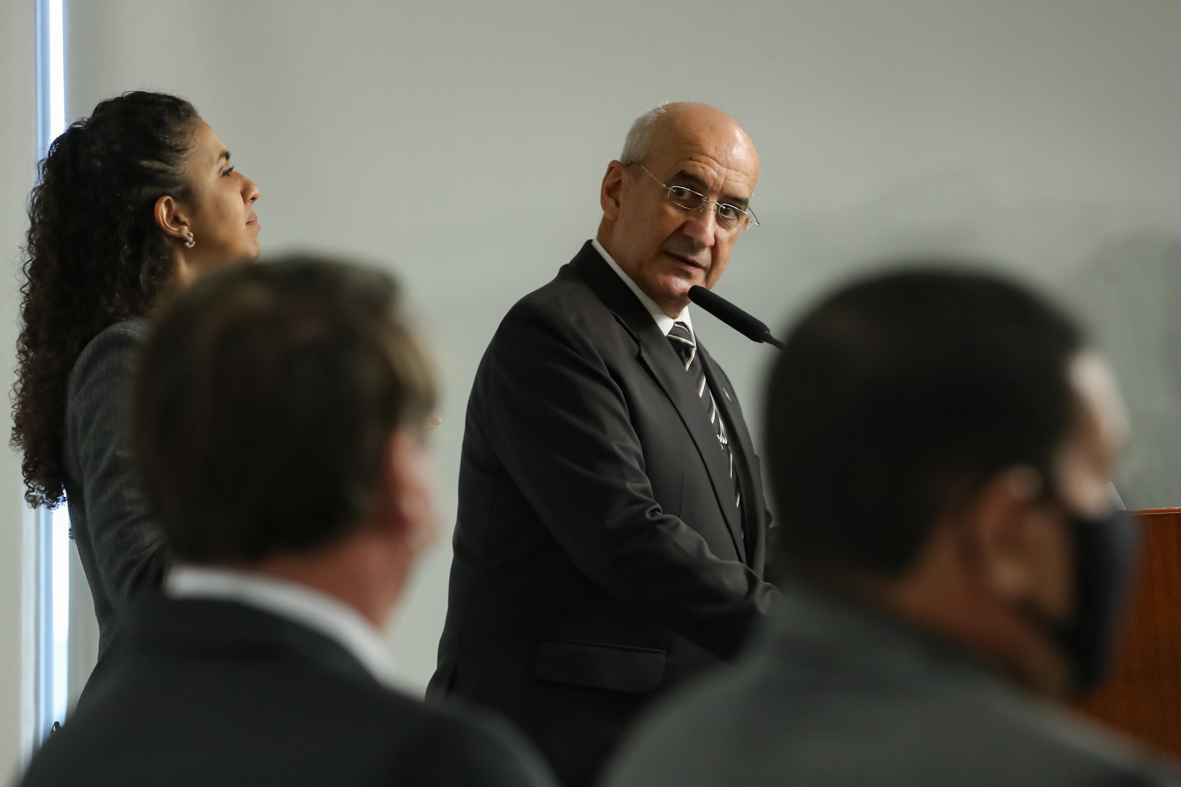 IMAGEM: 'Fui atropelado por um trem', diz general Ramos sobre sua demissão da Casa Civil