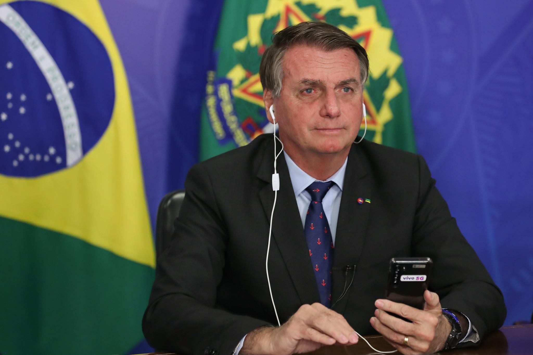 IMAGEM: Bolsonaro é mais processado que Lula, Dilma e Temer juntos