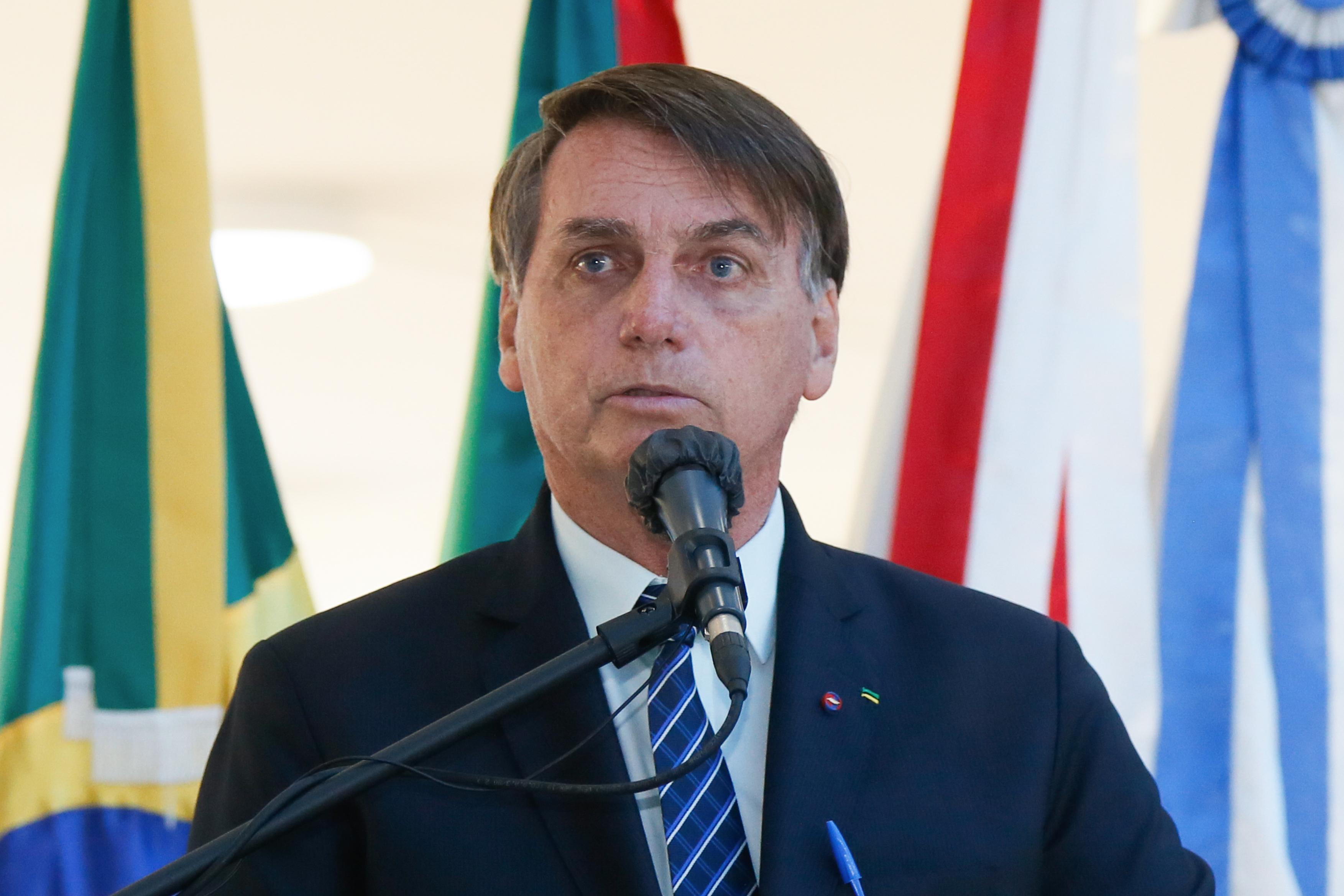 IMAGEM: Bolsonaro participa de almoço com empresárias