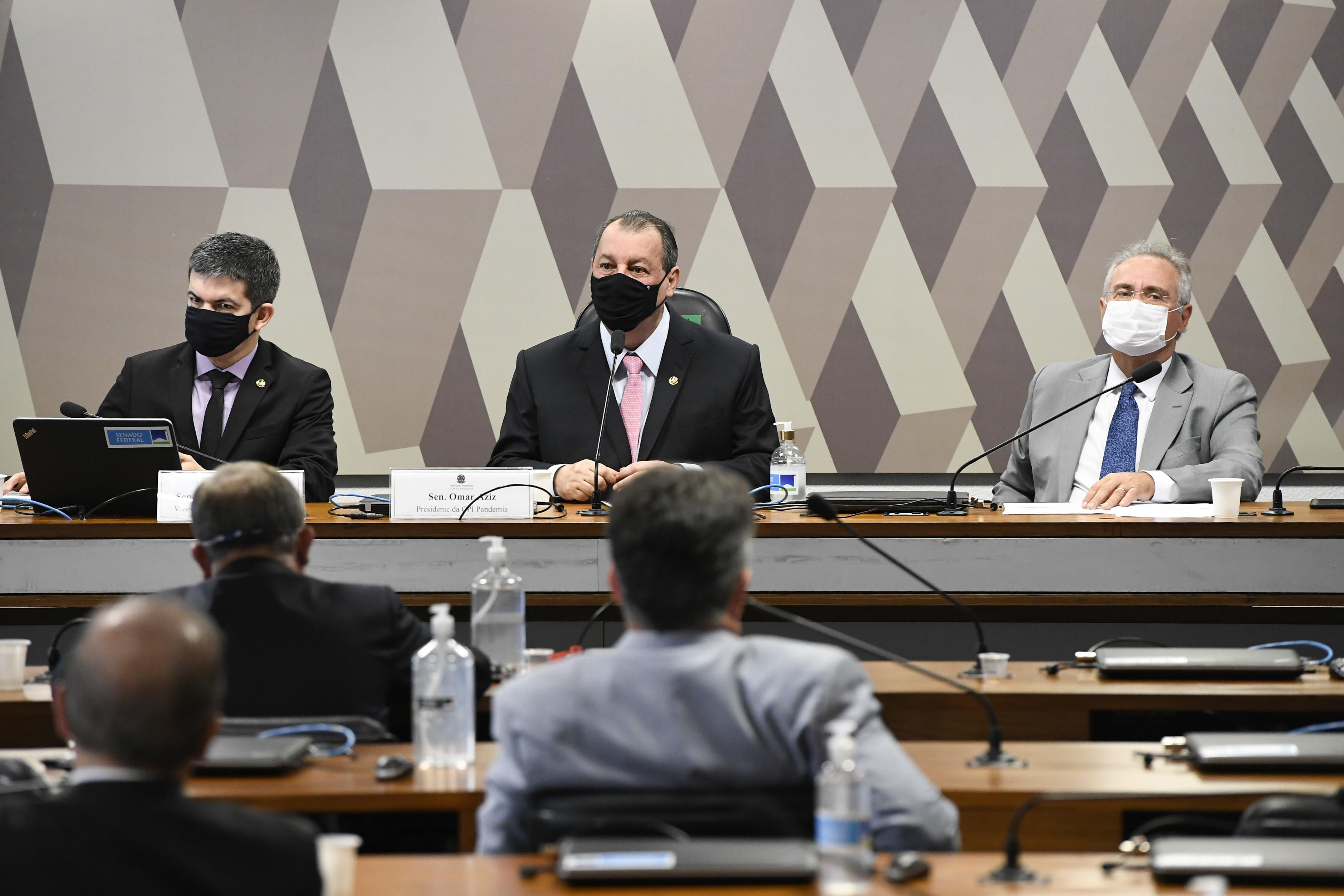 """IMAGEM: """"Os responsáveis pagarão pelos erros"""", diz cúpula da CPI sobre 500 mil mortes"""