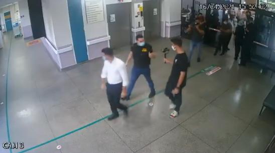 IMAGEM: Secretaria de Saúde recua e diz que deputados não tentaram invadir UTI