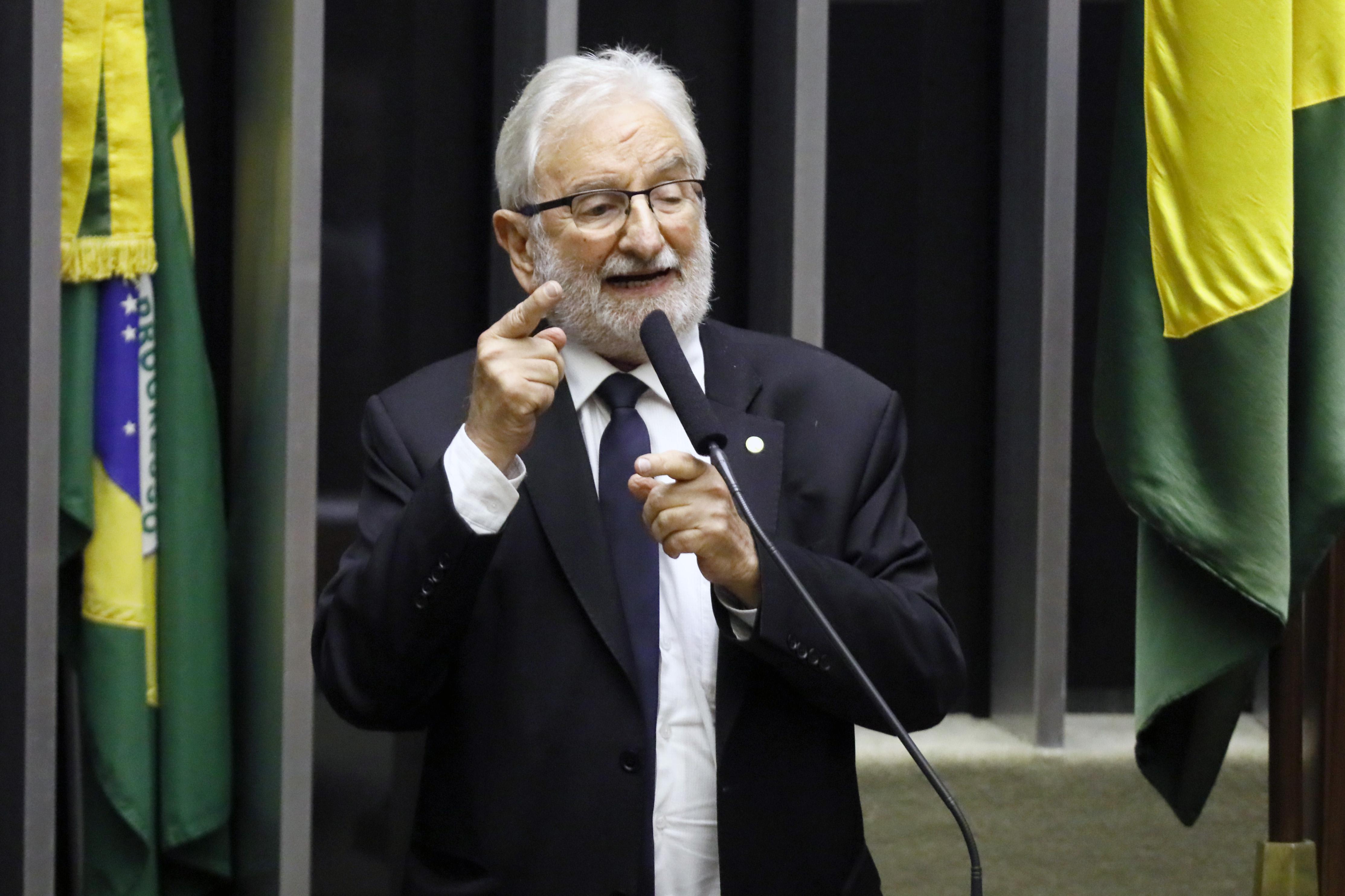 IMAGEM: Aras pede a Toffoli que arquive representação contra psolista por 'Bolsonaro genocida'