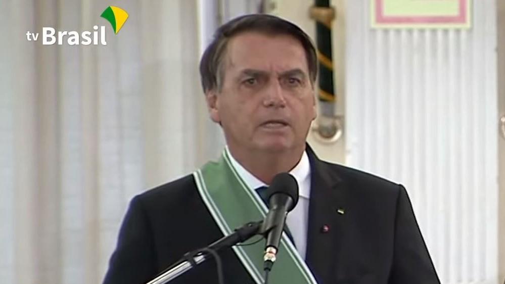 IMAGEM: Bolsonaro almoça com pelo menos 48 empresárias