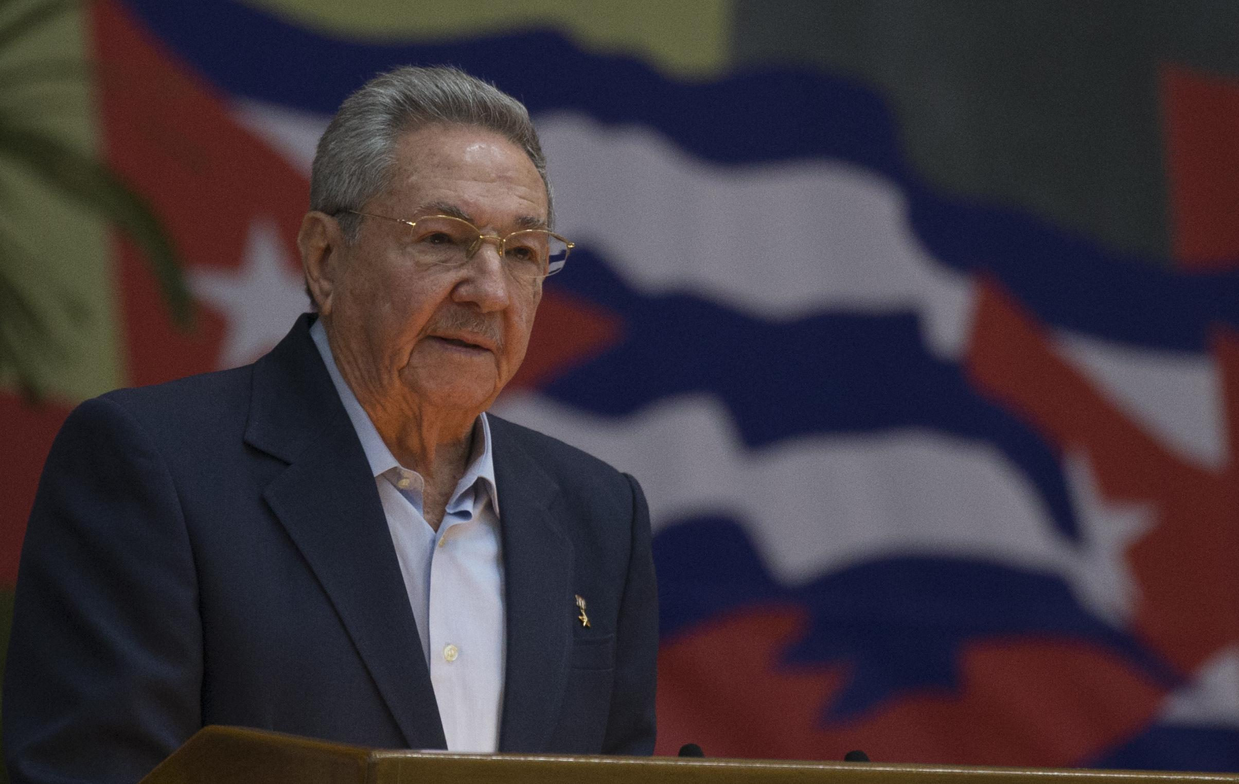IMAGEM: Ditador de Cuba 'se aposenta'