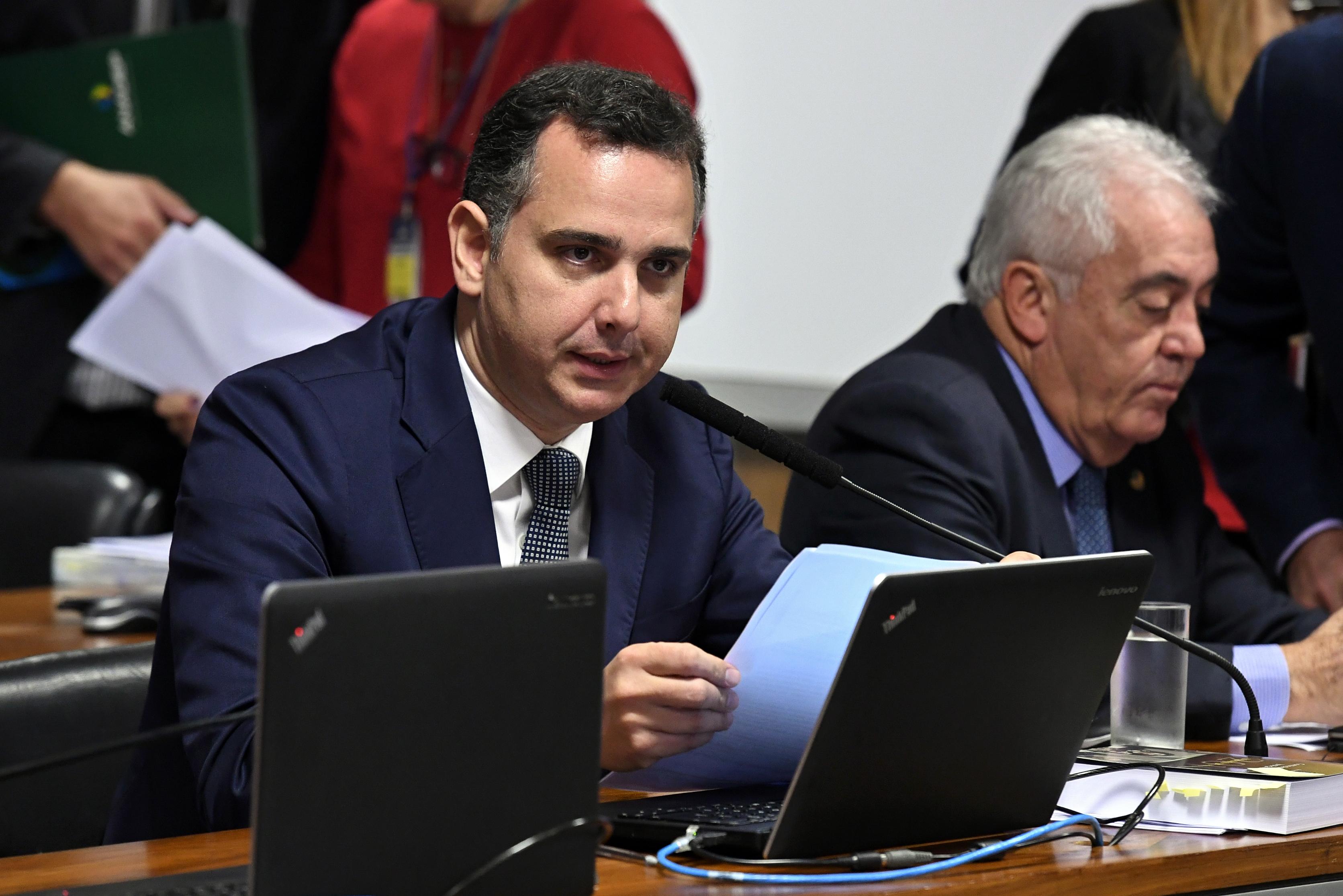 """IMAGEM: """"Ninguém vai intimidar o parlamento"""", diz Rodrigo Pacheco, sobre micareta militar"""