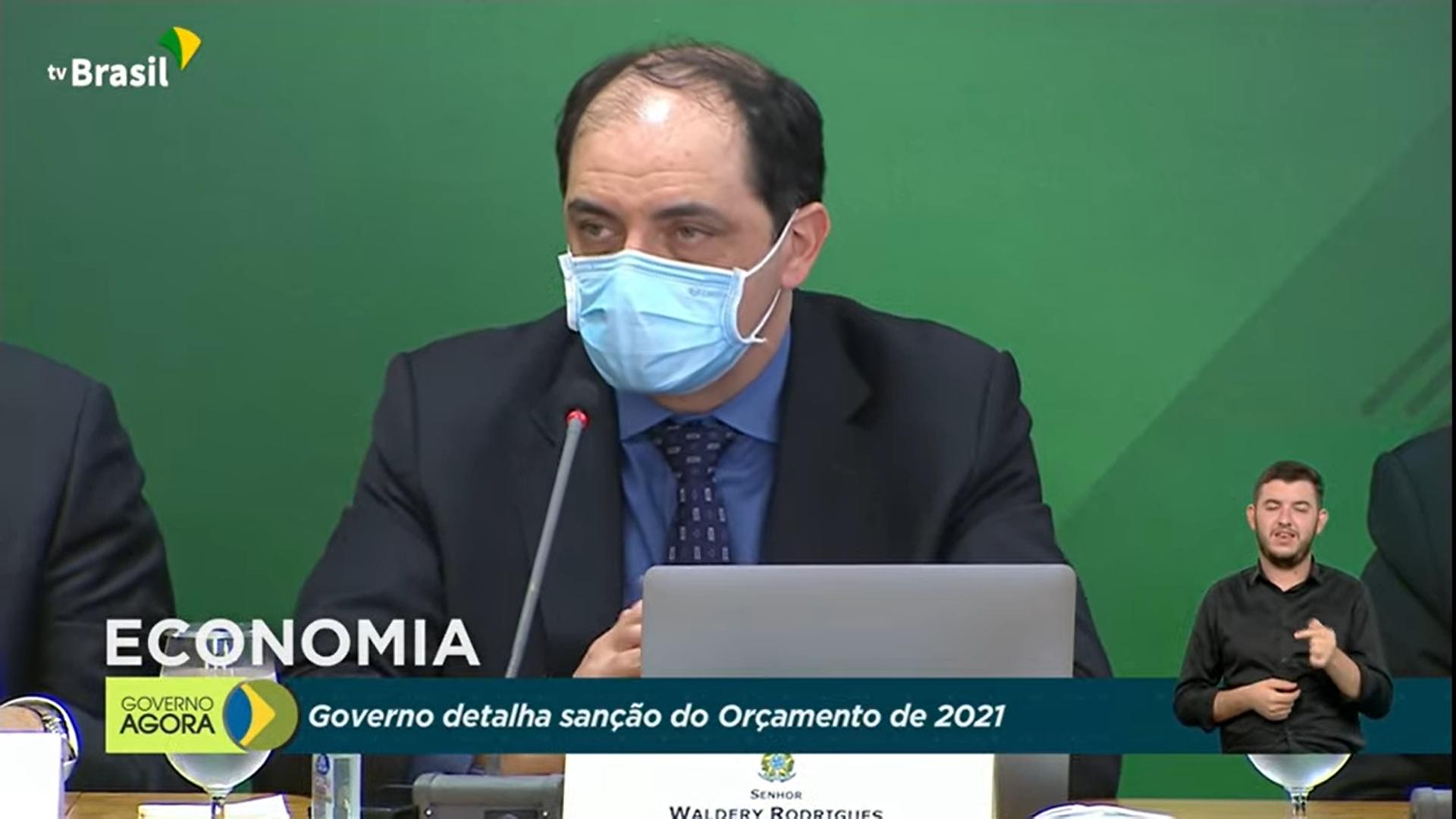 IMAGEM: Crise do Orçamento derruba secretário da Fazenda de Guedes