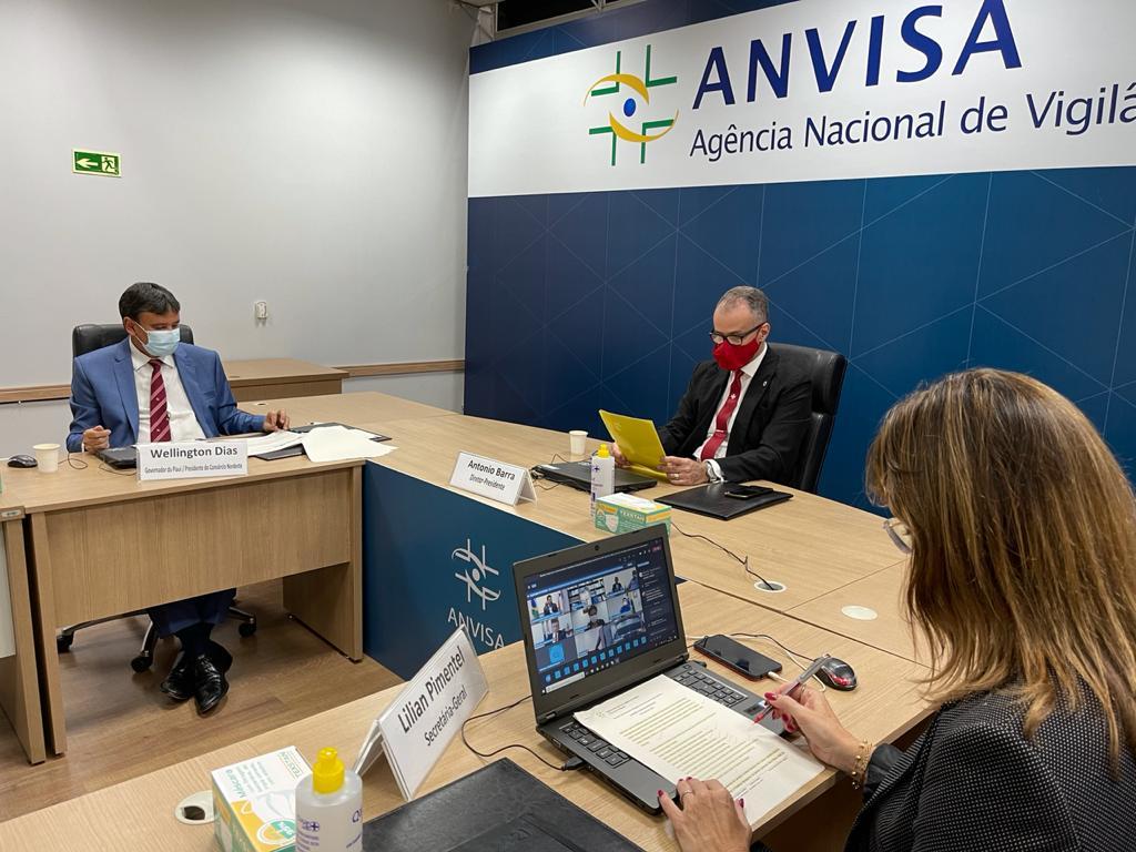 IMAGEM: 'Não há estudos conclusivos sobre necessidade de dose de reforço', diz Anvisa