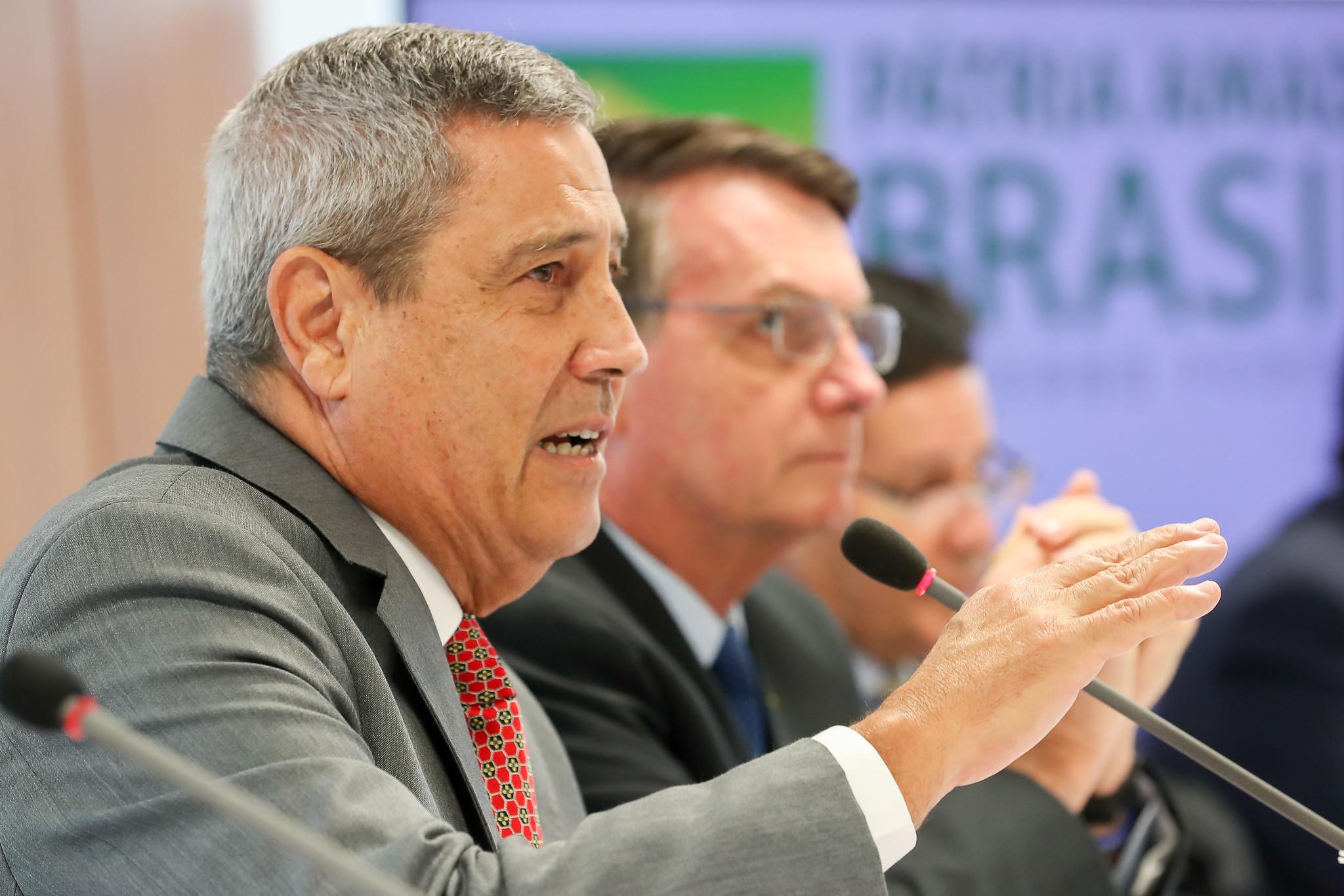 """IMAGEM: Relatório do TCU vê """"graves omissões"""" de Braga Netto na pandemia"""