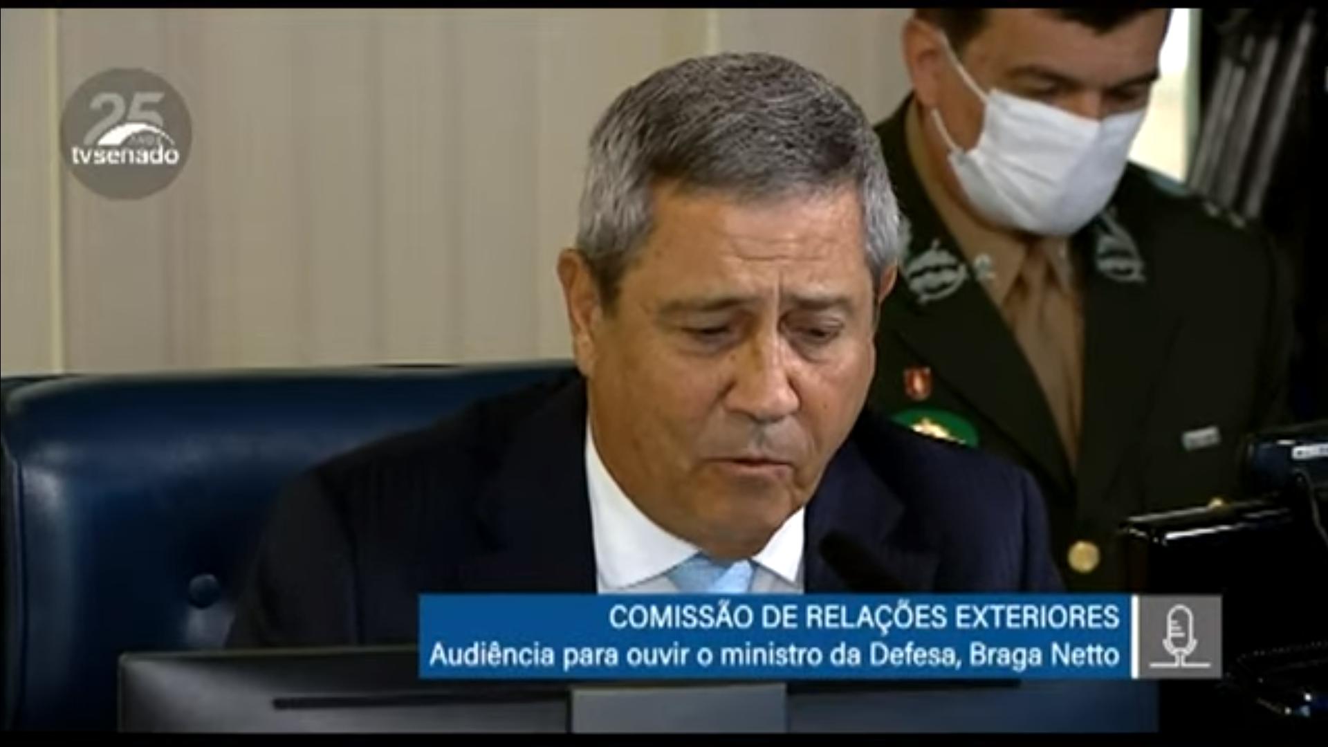 IMAGEM: Braga Netto diz que não há leitos de UTI vagos em hospitais militares