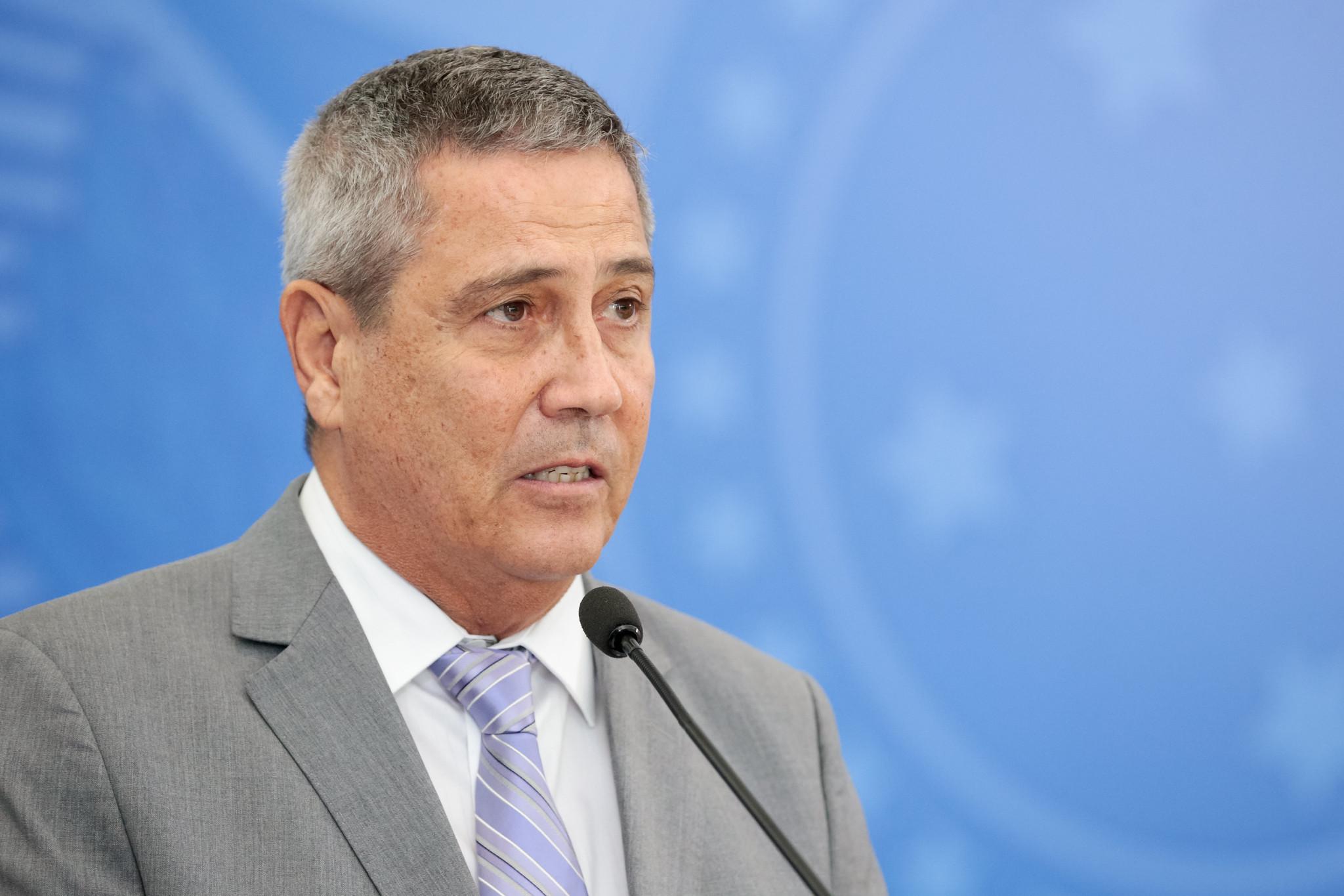 IMAGEM: Depois de manobra de Barros, comissão da Câmara convoca Braga Netto de novo