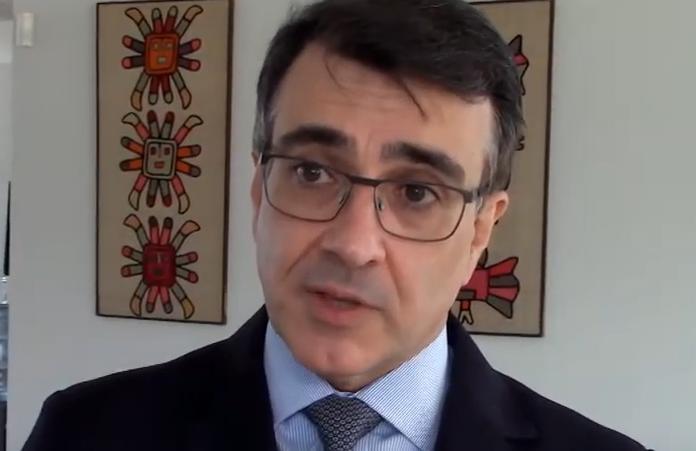 """IMAGEM: Em posse, sucessor de Ernesto Araújo fala em """"diplomacia da vacina"""""""