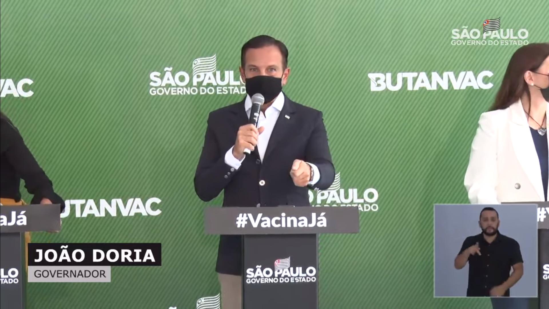 """""""É o presidente da República do WhatsApp, das redes sociais e dos filhos"""""""