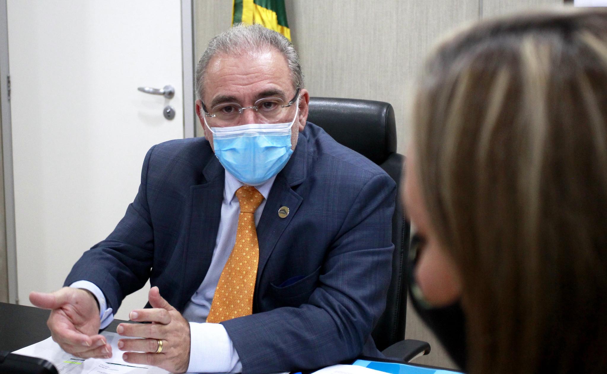 IMAGEM: Agenda de Queiroga na PB tem visitas a 3 hospitais e encontro com governador