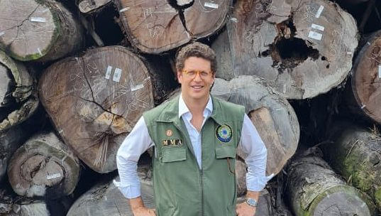 IMAGEM: Parlamentares citados confirmam reunião com Salles sobre apreensão de madeira