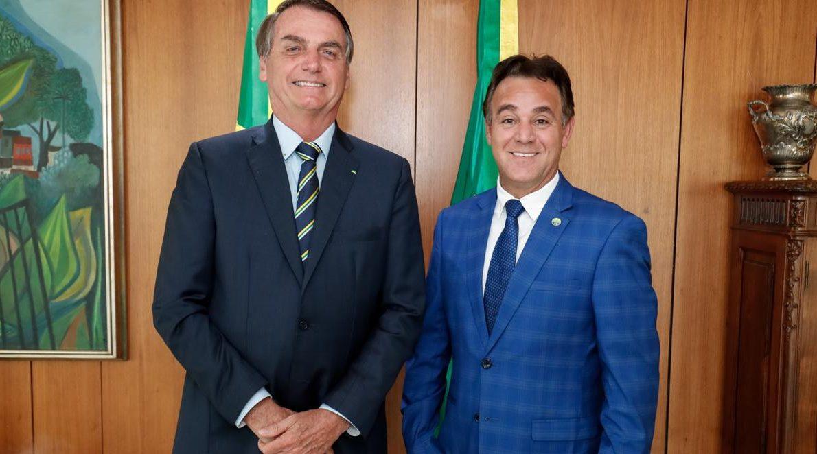 IMAGEM: Bolsonaro não tem partido. Ele alugou (ou comprou) um