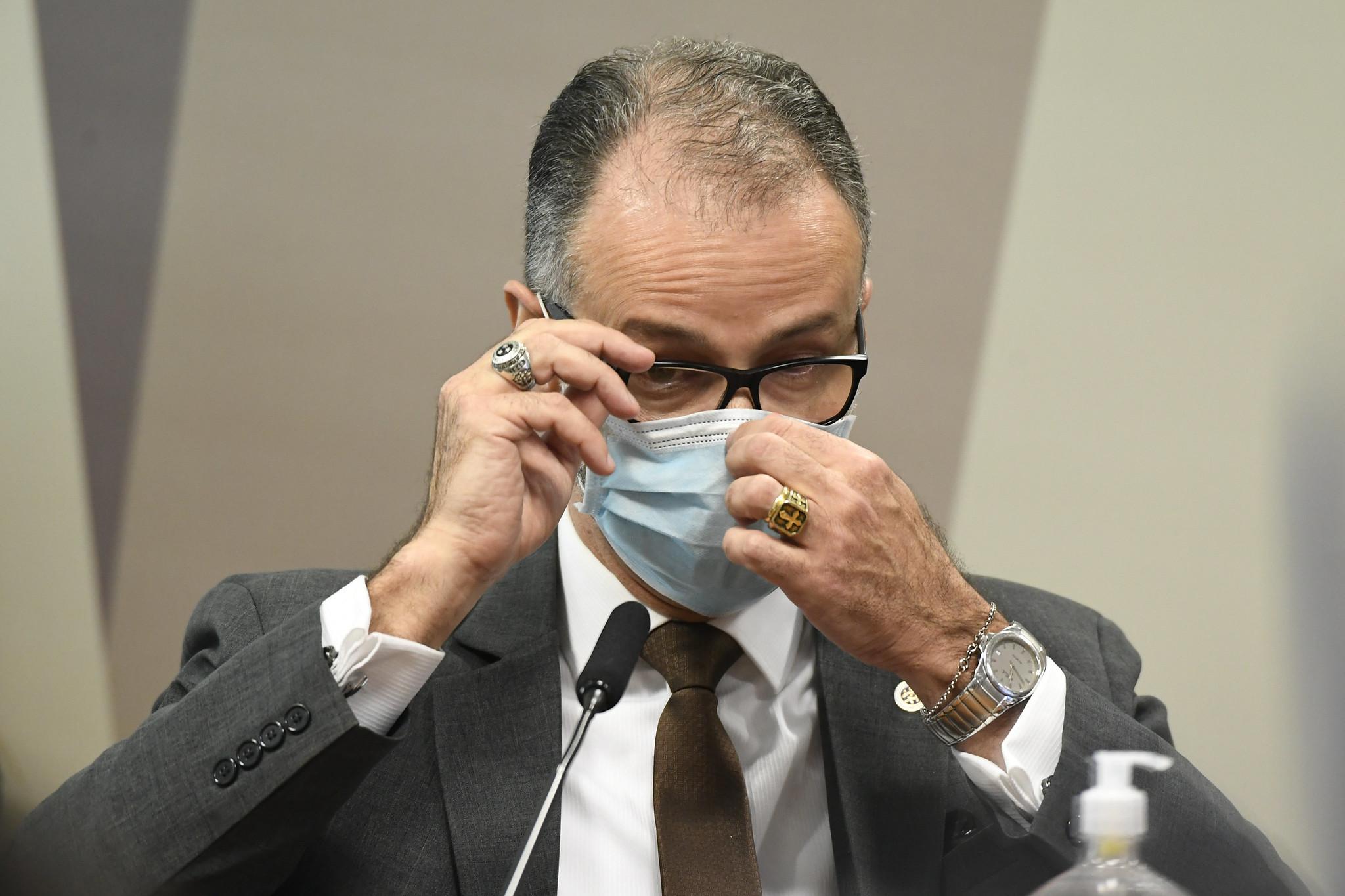 """IMAGEM: """"Vou manter a minha conduta"""", diz presidente da Anvisa, sobre raiva de Bolsonaro"""