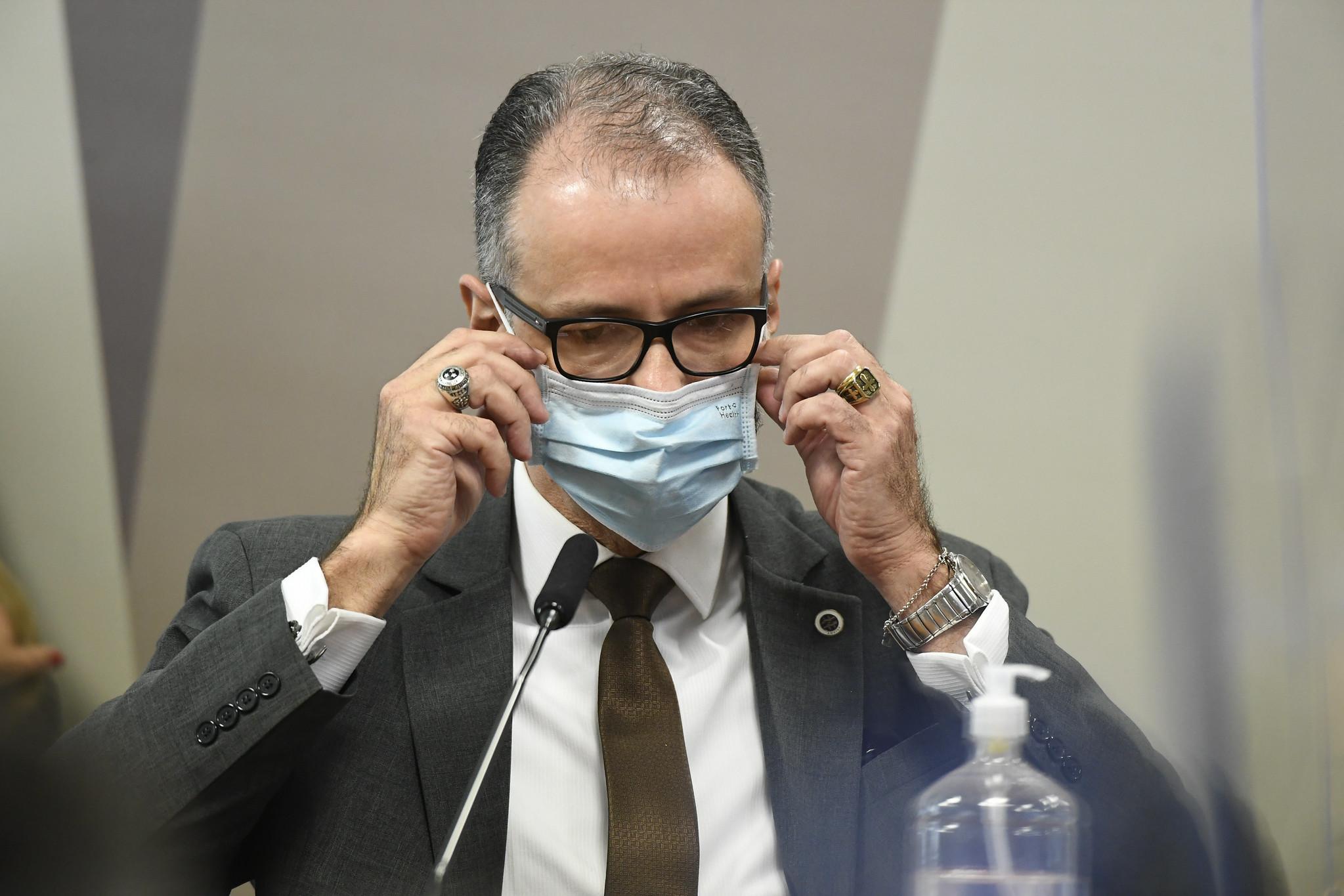 Bolsonaro está bufando de raiva com depoimento de presidente da Anvisa