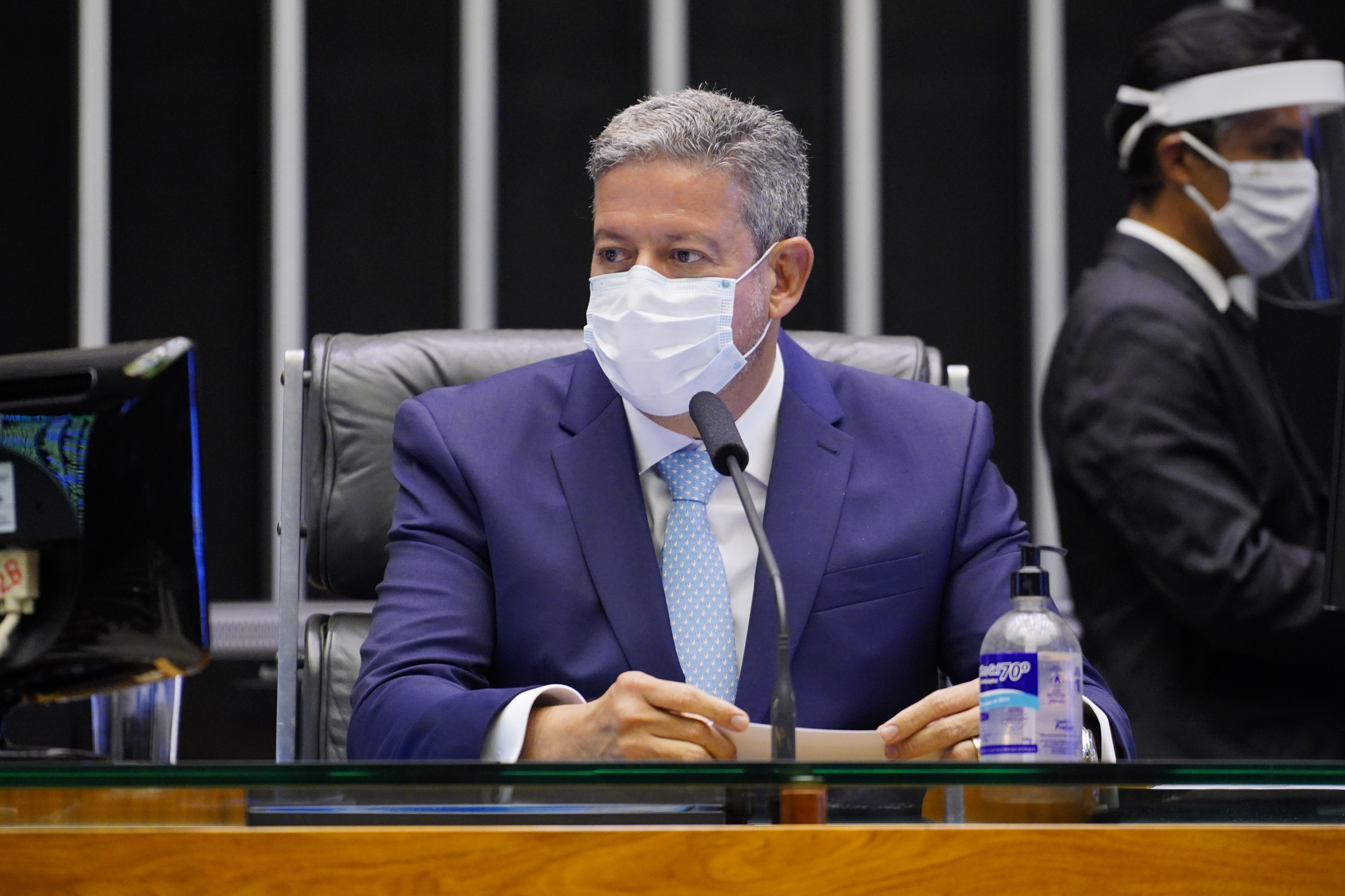 IMAGEM: Lira diz que governo deve enviar projeto sobre IR na semana que vem