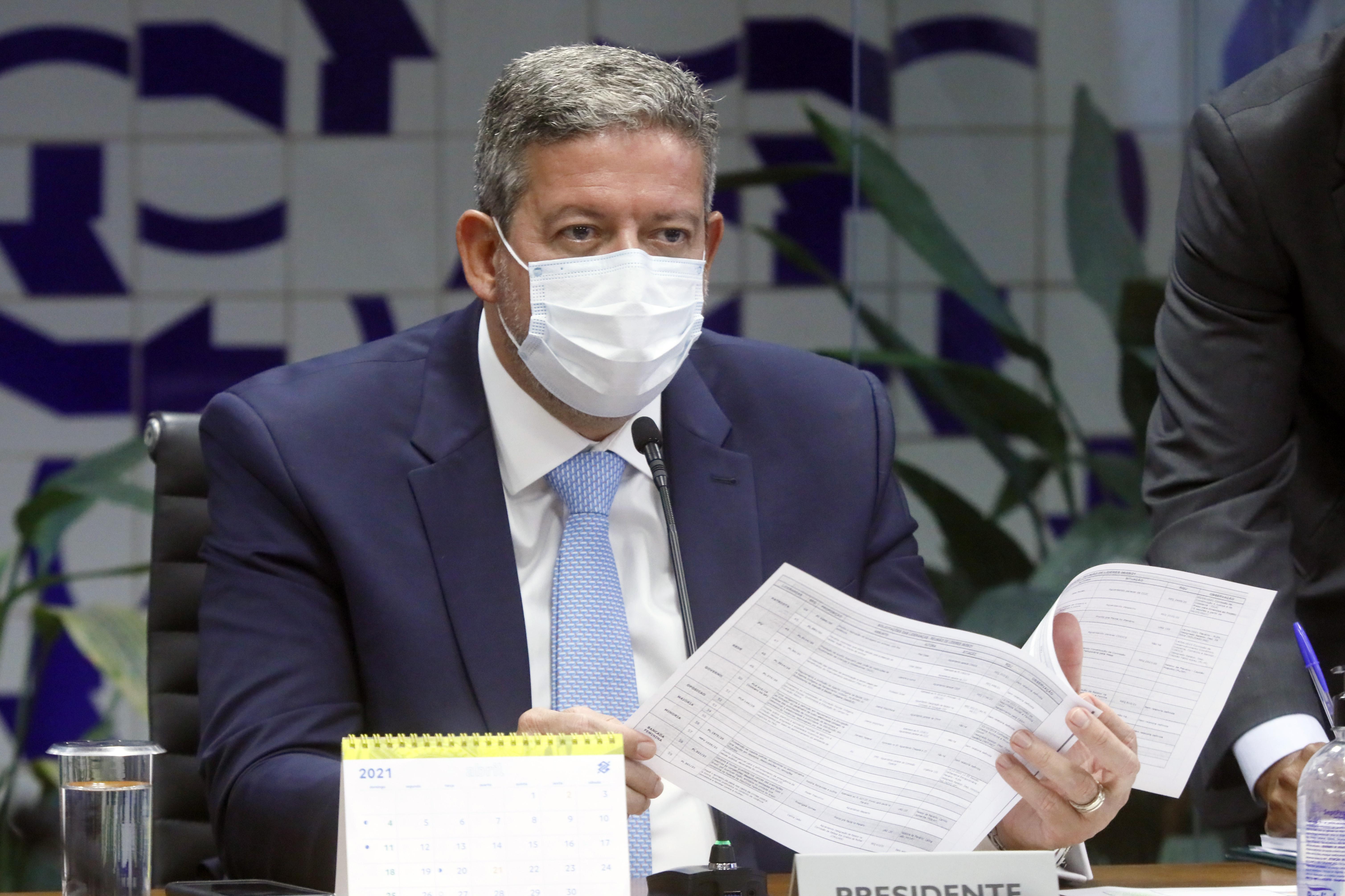 IMAGEM: Crusoé: réu por corrupção pode assumir Presidência da República