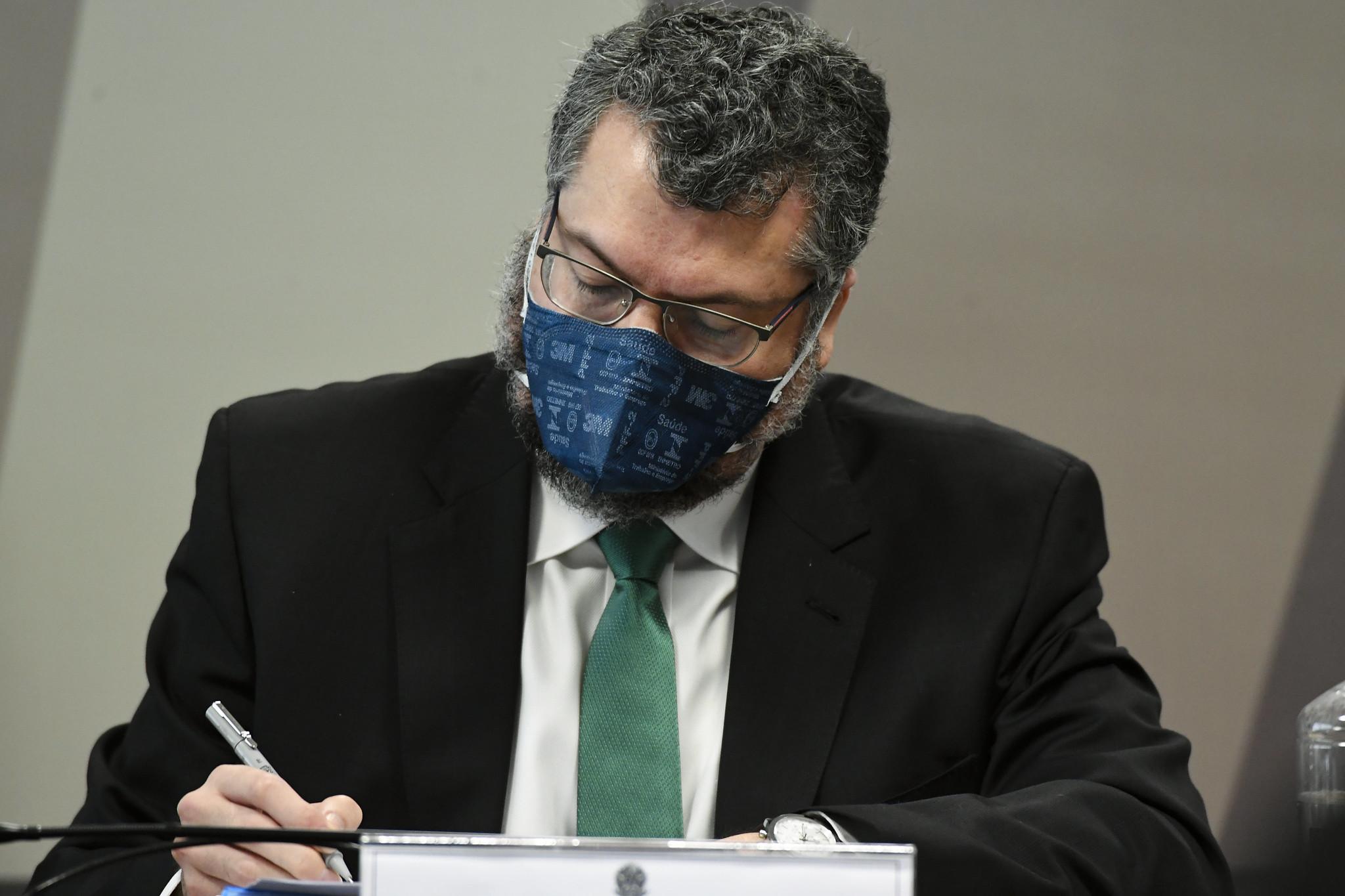 IMAGEM: 'O senhor minimizou a atuação de vândalos', diz Kátia Abreu sobre postura do Itamaraty durante invasão do Capitólio