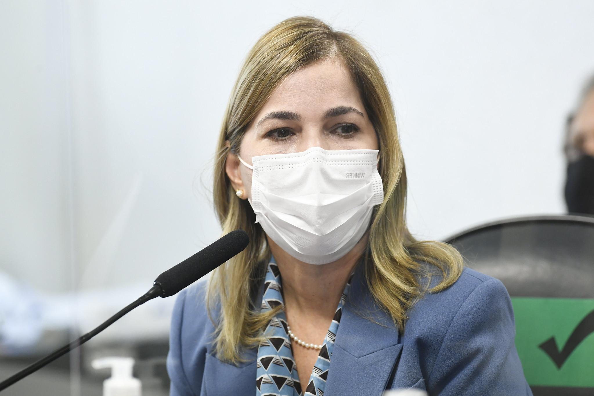 IMAGEM: 'Capitã Cloroquina' recebeu benefício irregular do governo, diz site
