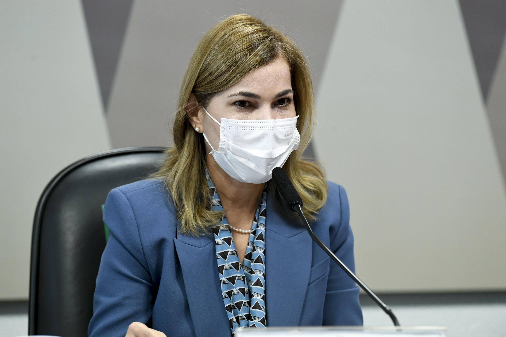 IMAGEM: Capitã Cloroquina pediu perguntas para enviar a 'senadores amigos' na CPI da Covid