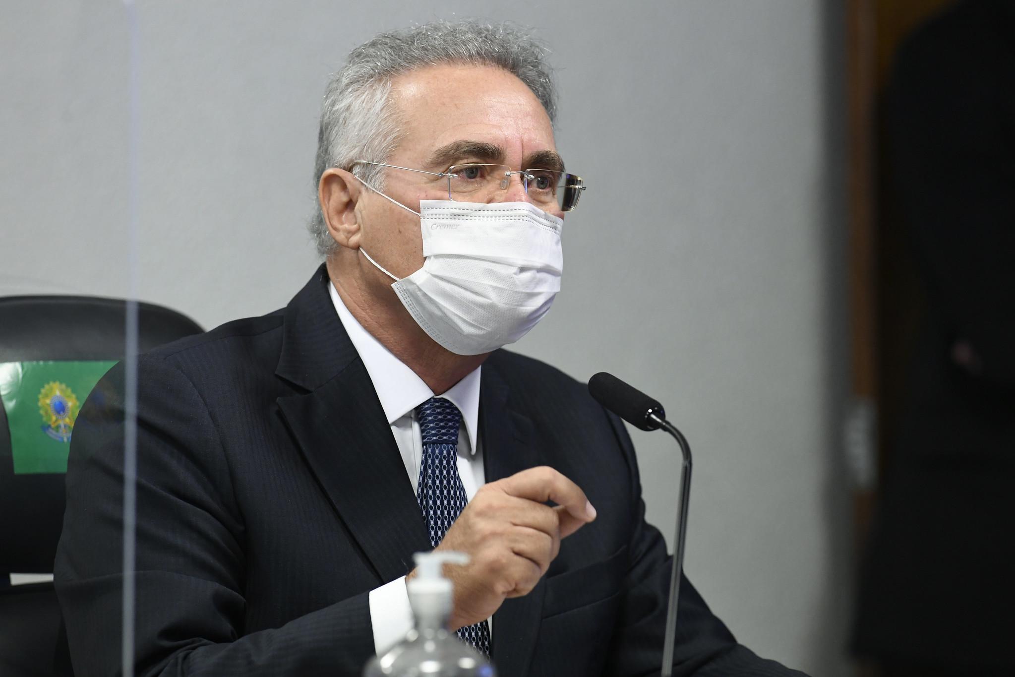 IMAGEM: CPI tem provas de reuniões diárias de Bolsonaro com ministério paralelo, diz Renan