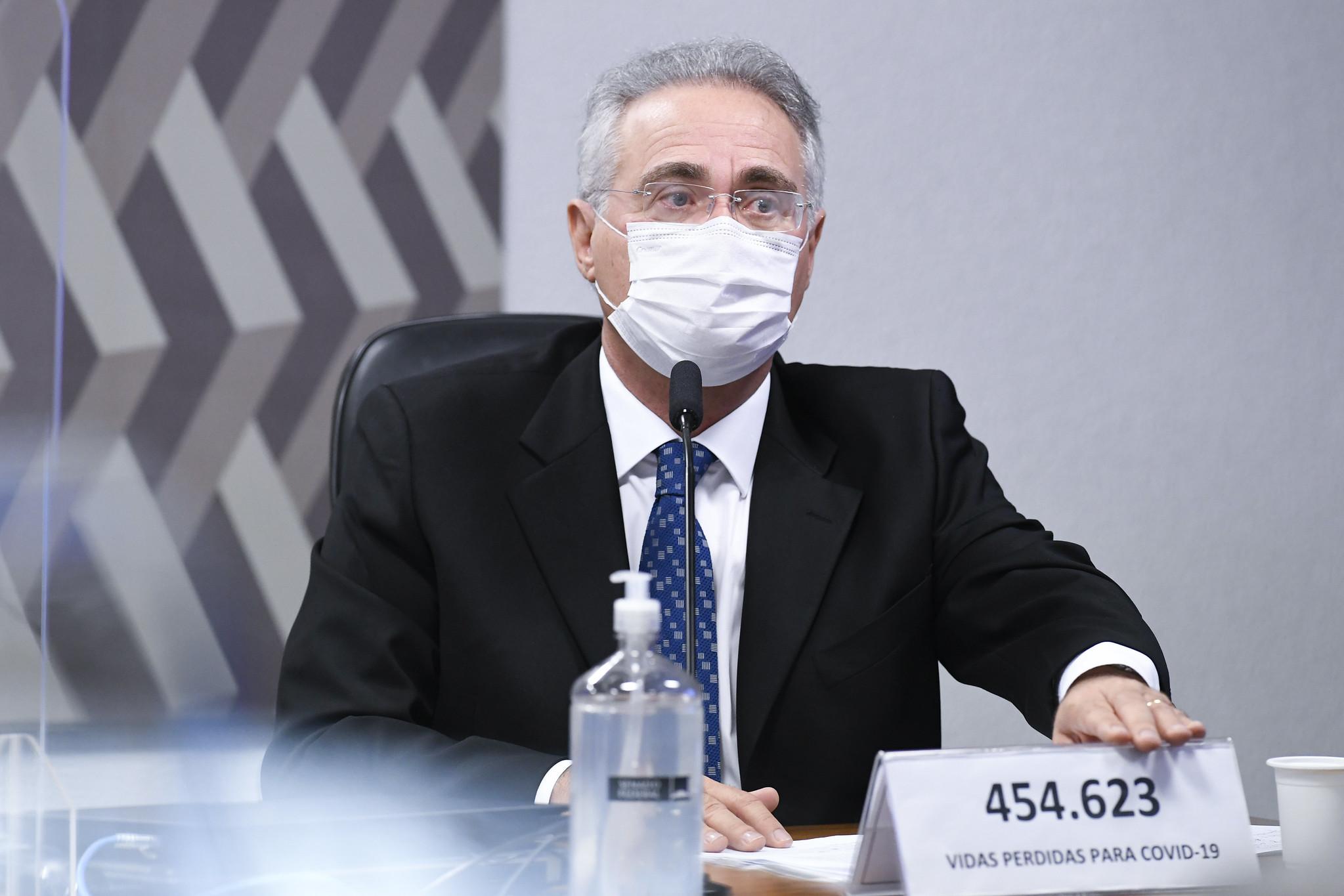 IMAGEM: 'Vossa excelência não está falando a verdade', diz Renan a Elcio Franco