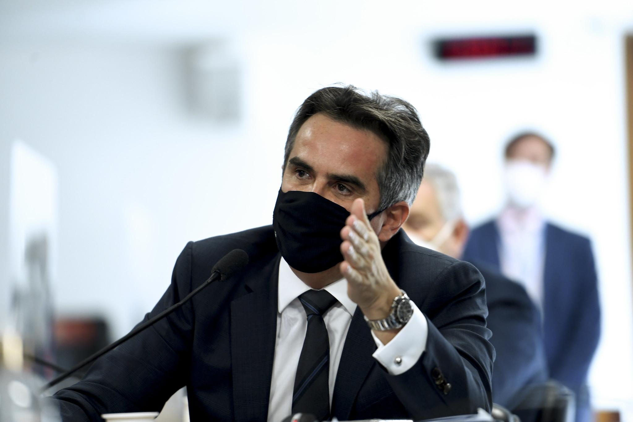 IMAGEM: Avião com Ciro Nogueira tem pane e reunião com Bolsonaro é adiada