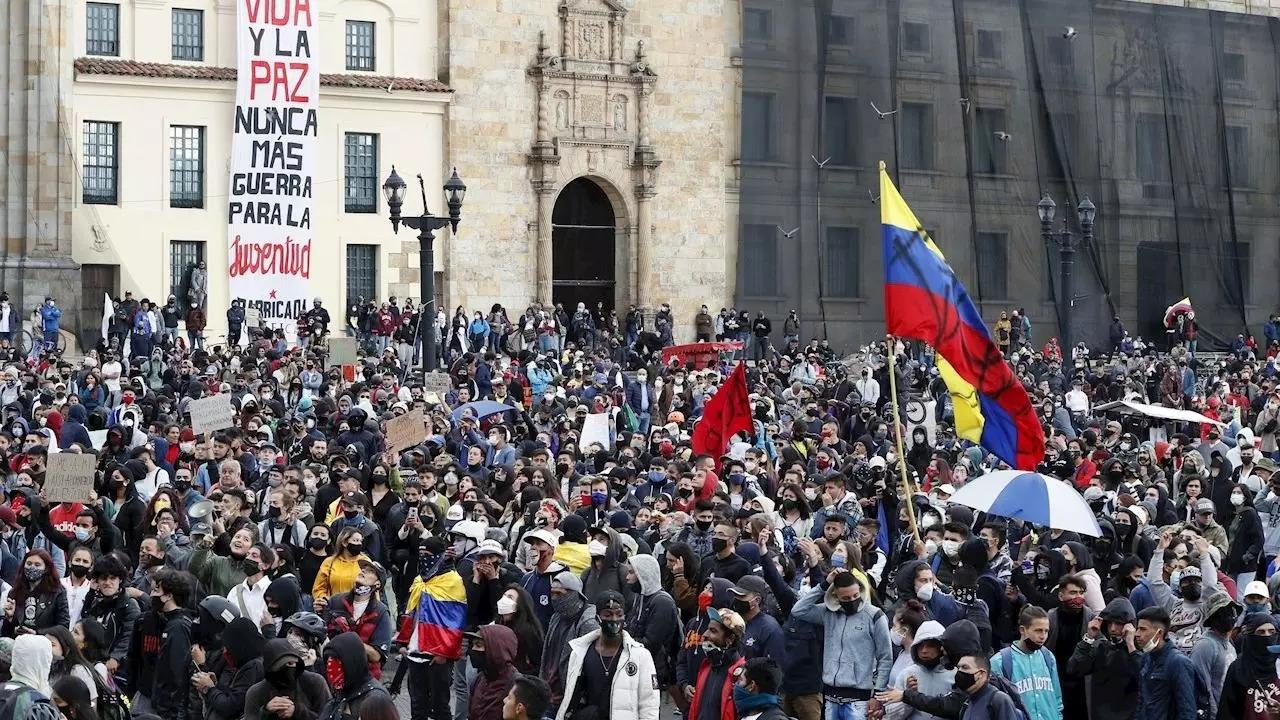 IMAGEM: MP da Colômbia acusa narcotraficantes por violência em protestos