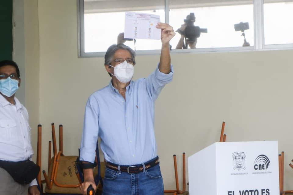 IMAGEM: Bolsonaro no Equador