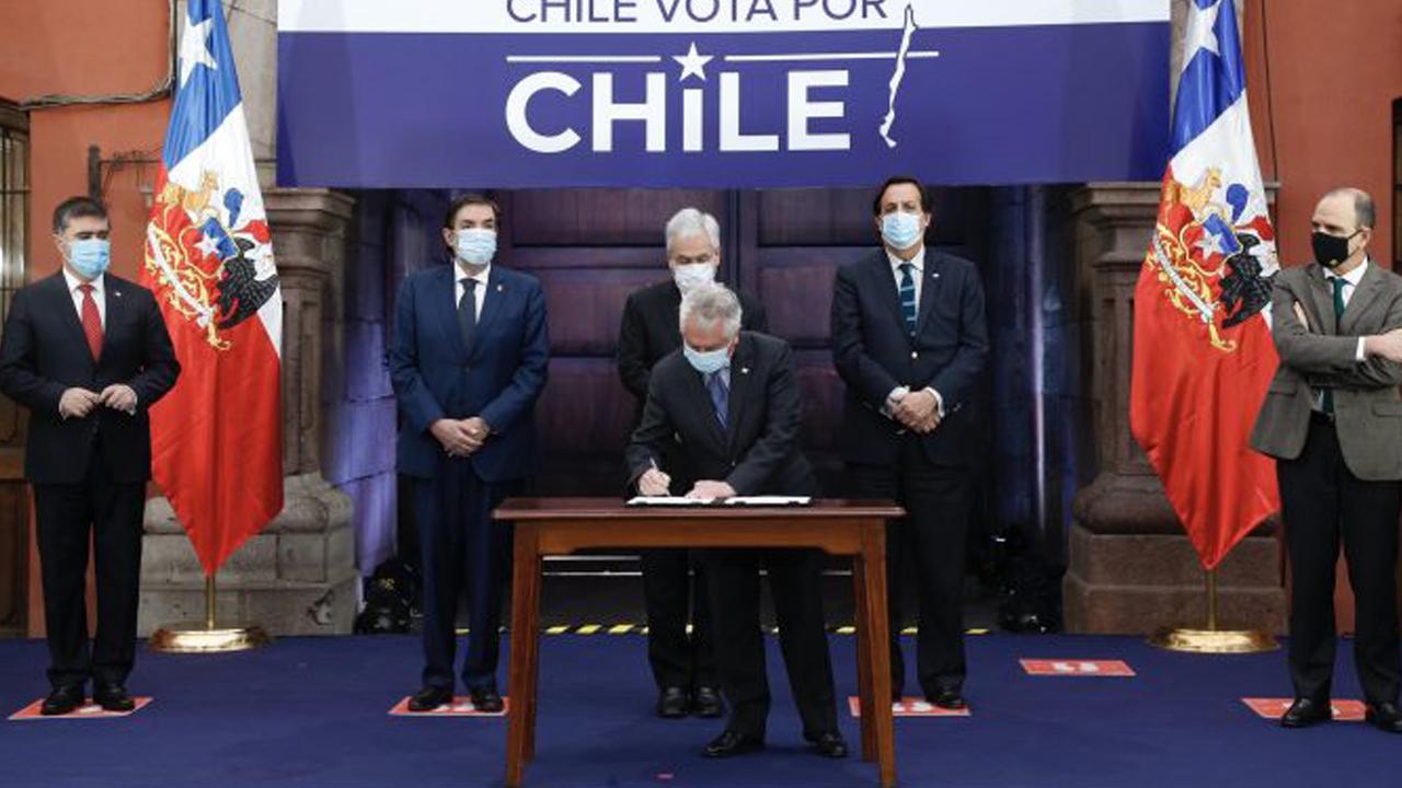 IMAGEM: Independentes levam a melhor na Constituinte chilena; governo sai derrotado