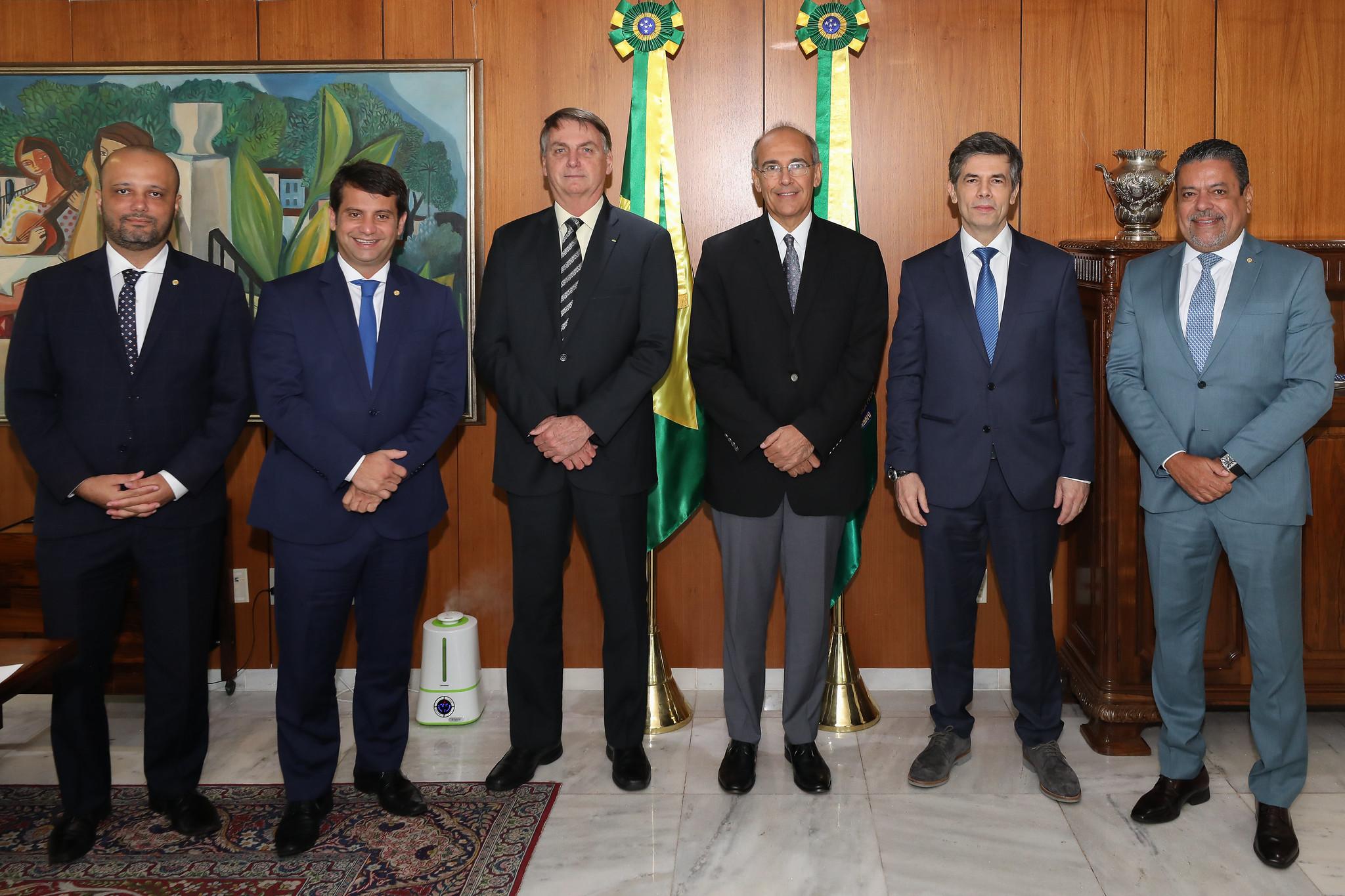 IMAGEM: Conselho Bolsominion de Medicina validou cloroquina contra Covid
