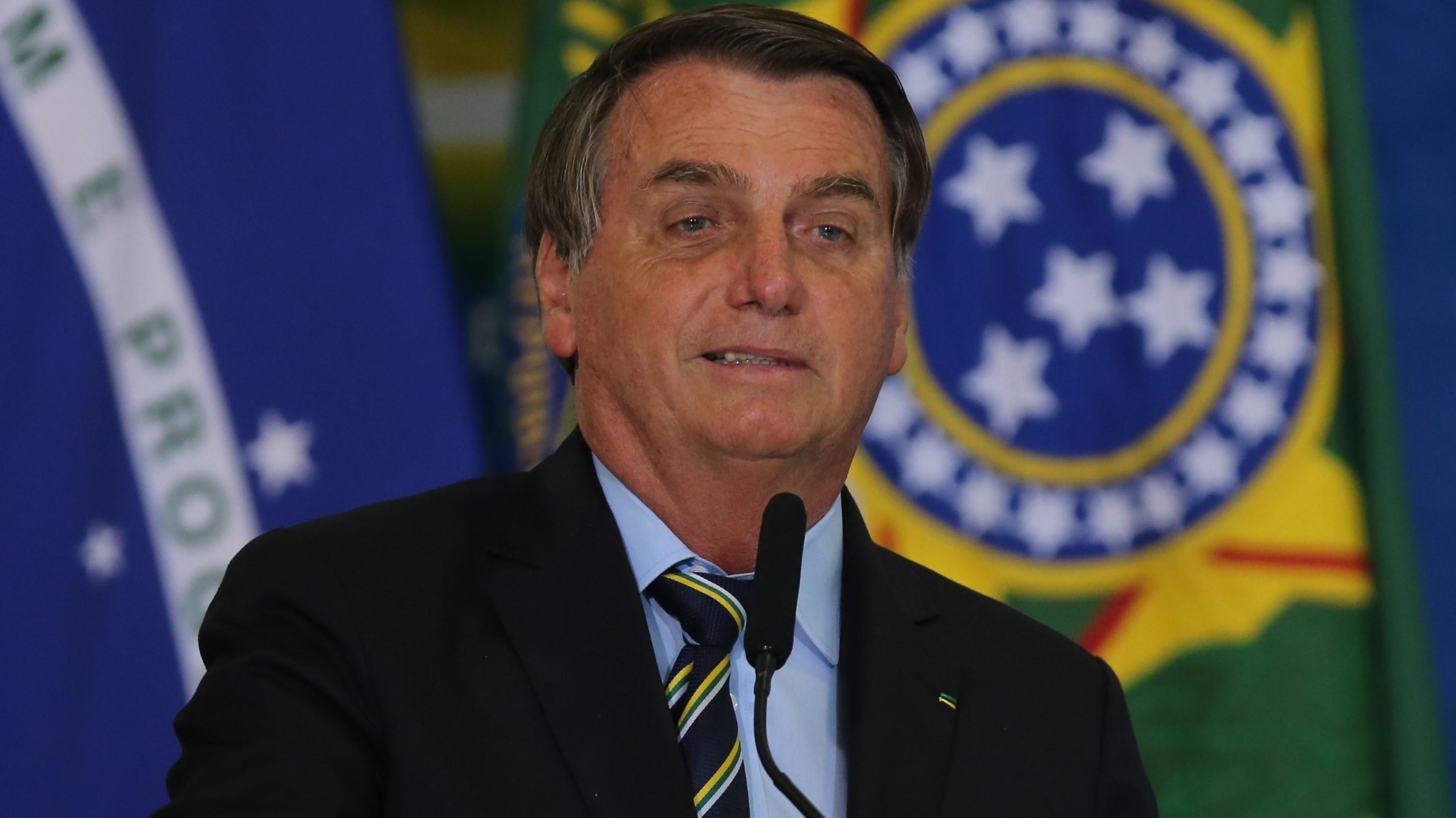 IMAGEM: A vacina derrotou Bolsonaro