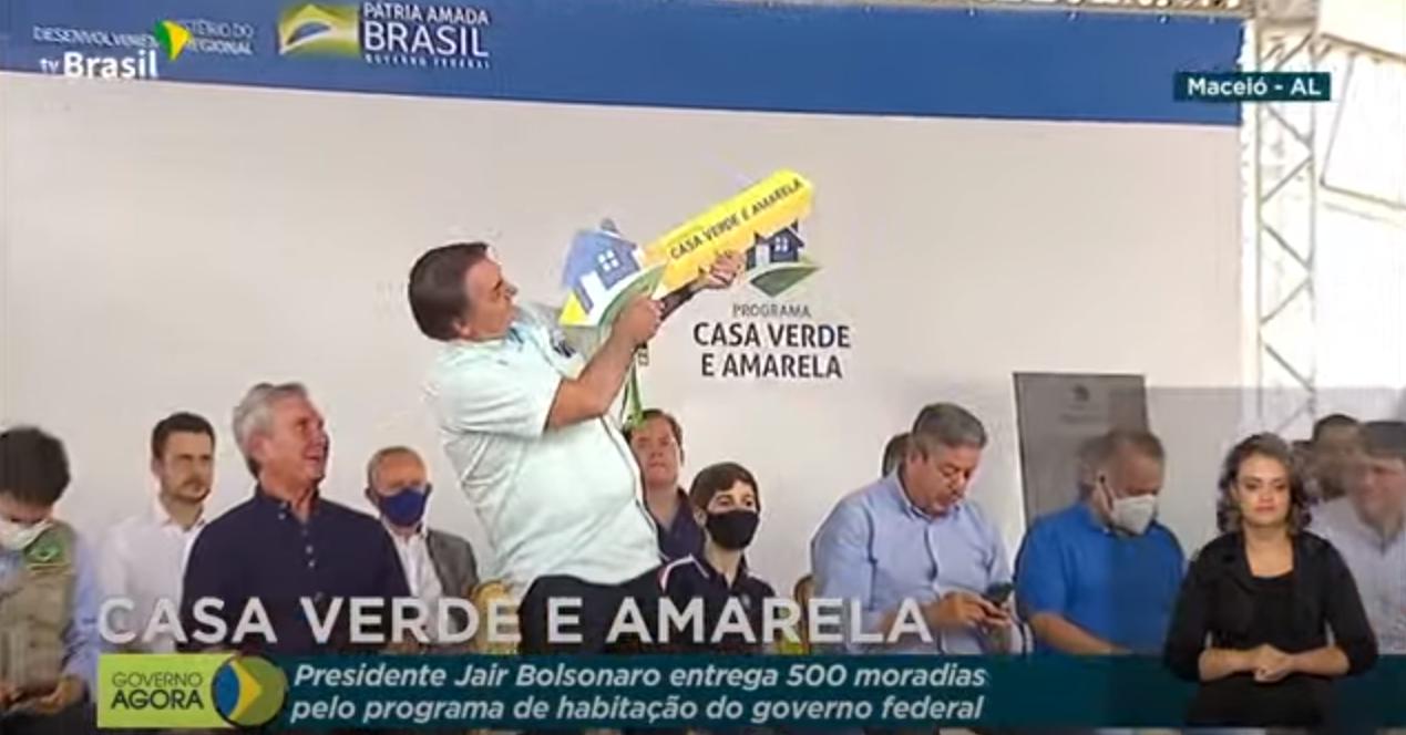 IMAGEM: Bolsonaro afaga 'meu Nordeste' e TV Brasil ignora protestos