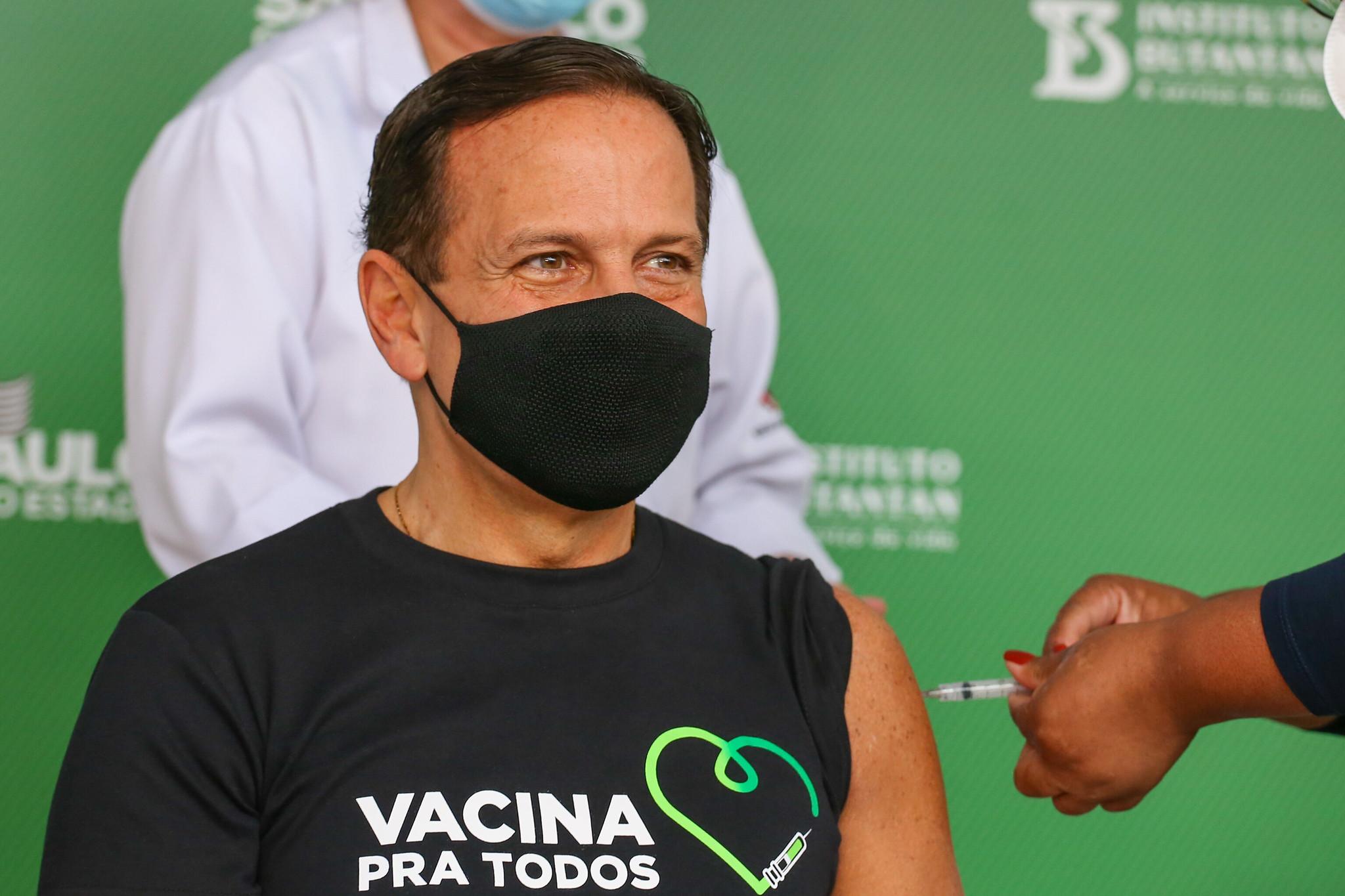 IMAGEM: Doria antecipa meta para vacinar adultos em SP até fim de outubro