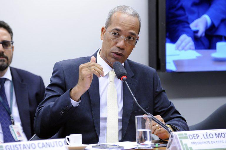 IMAGEM: Associação repudia 'ação espetaculosa' de deputado que cobra prestação de contas de prefeituras