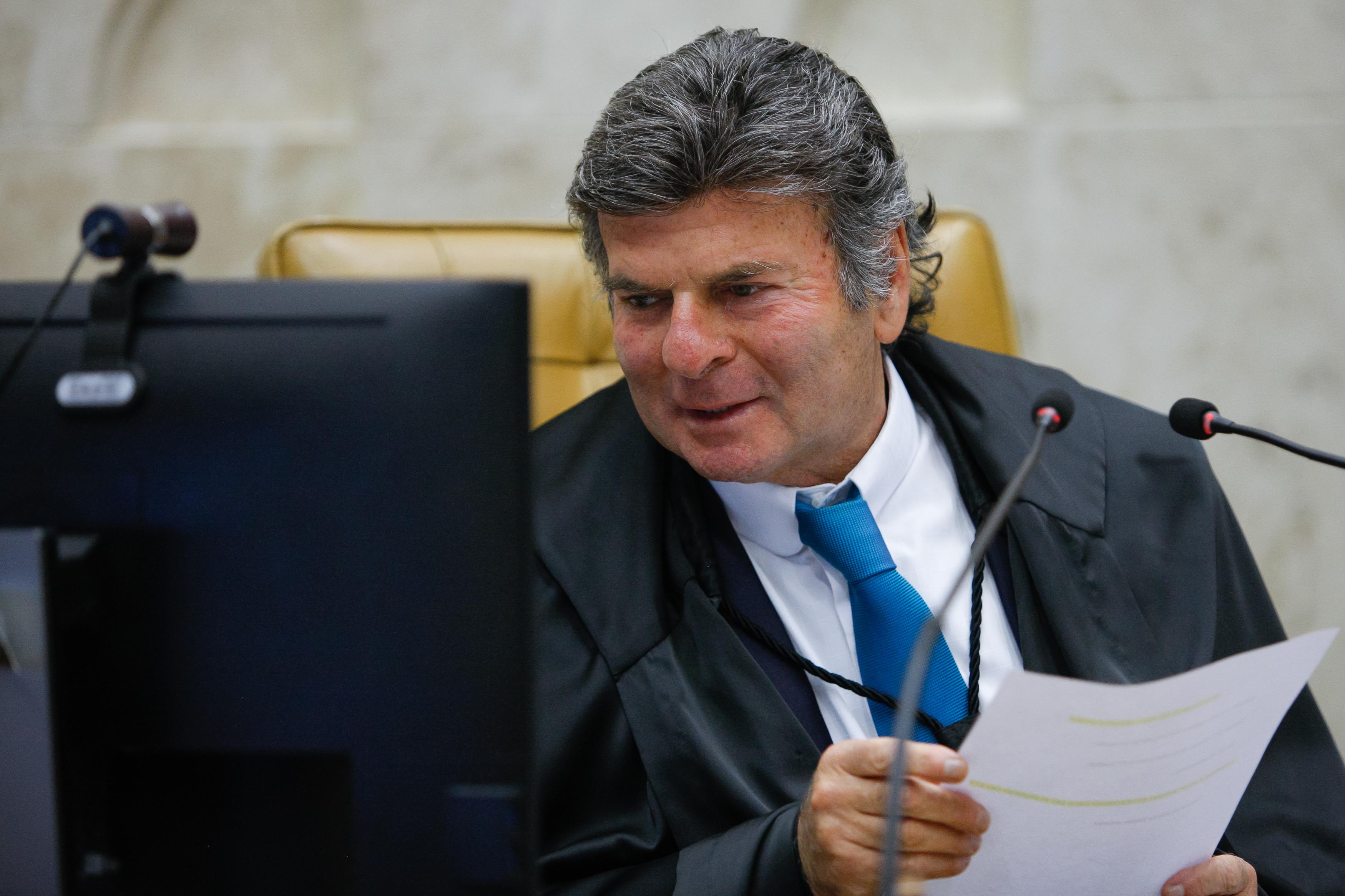 IMAGEM: Em almoço com empresários, Fux defende resposta a Bolsonaro e canta rock