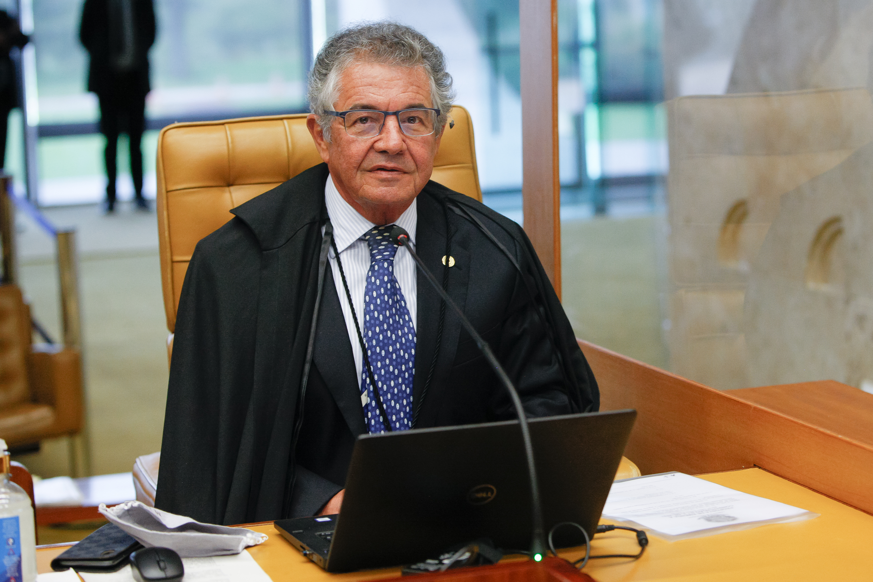 IMAGEM: 3 x 1 – Marco Aurélio vota para manter concurso da PF