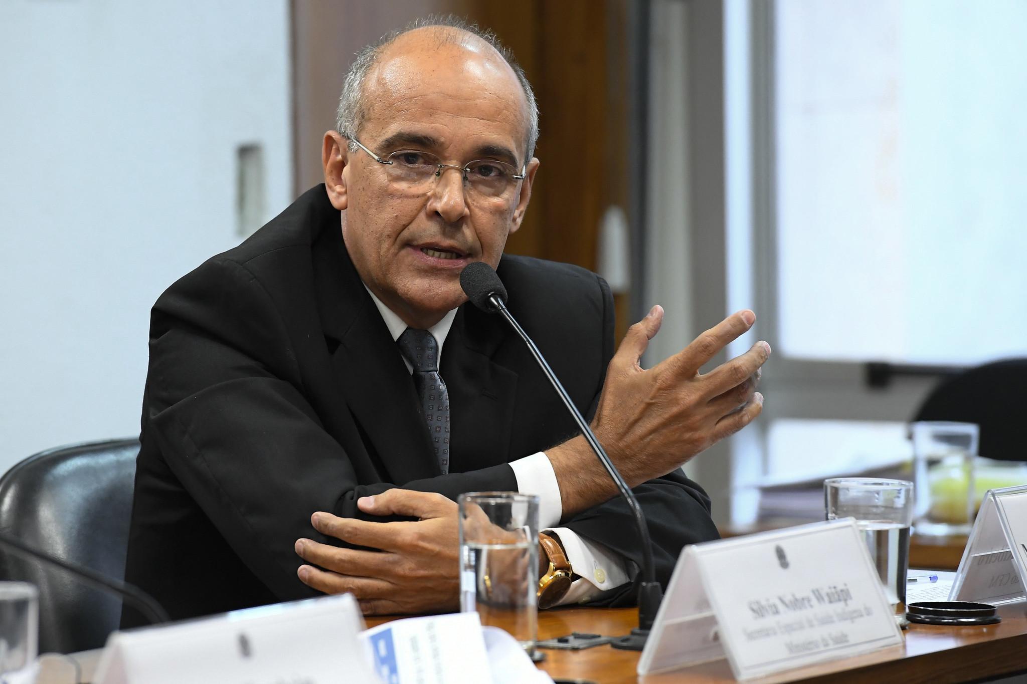 IMAGEM: Pazuello culpa CFM por políticas de prescrição de cloroquina