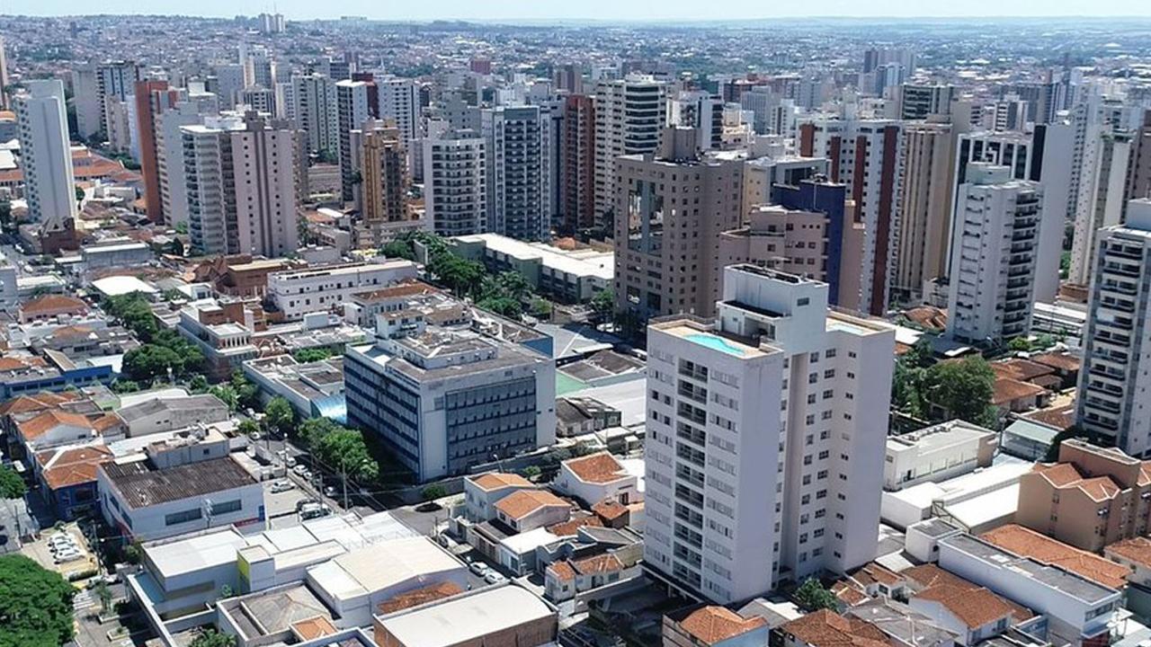 IMAGEM: Covid: com recorde de internados em UTI, Ribeirão Preto fecha comércio