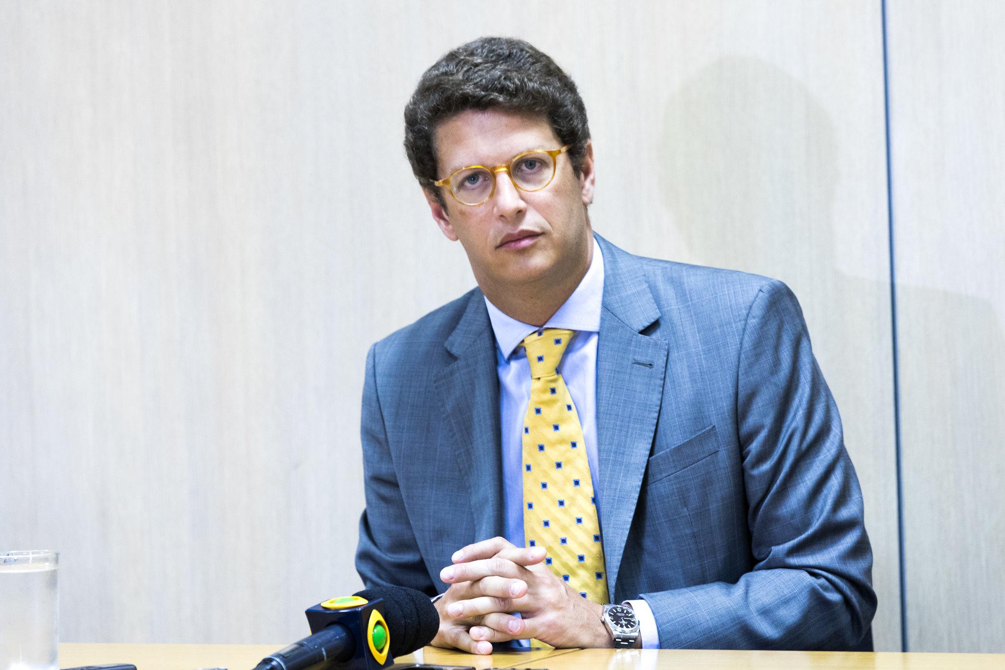 IMAGEM: Salles diz que STF já não tinha competência para reter seu passaporte