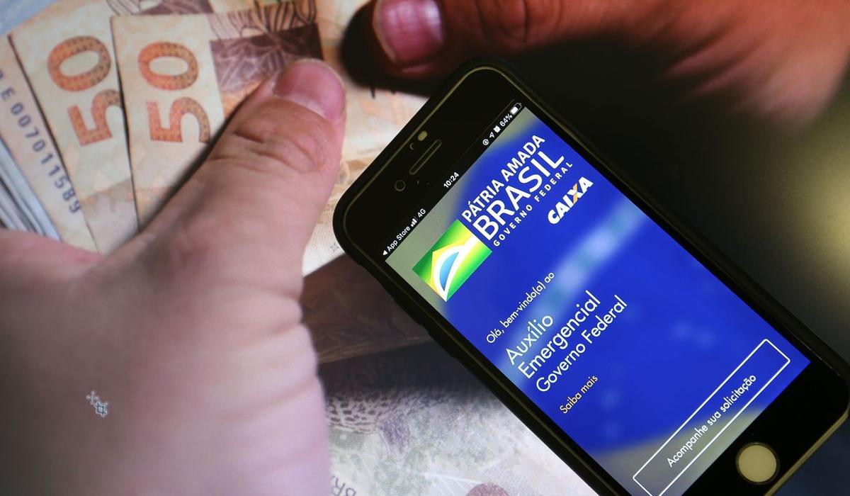 IMAGEM: Pagamentos irregulares de auxílio emergencial podem ter chegado a R$ 10,8 bilhões