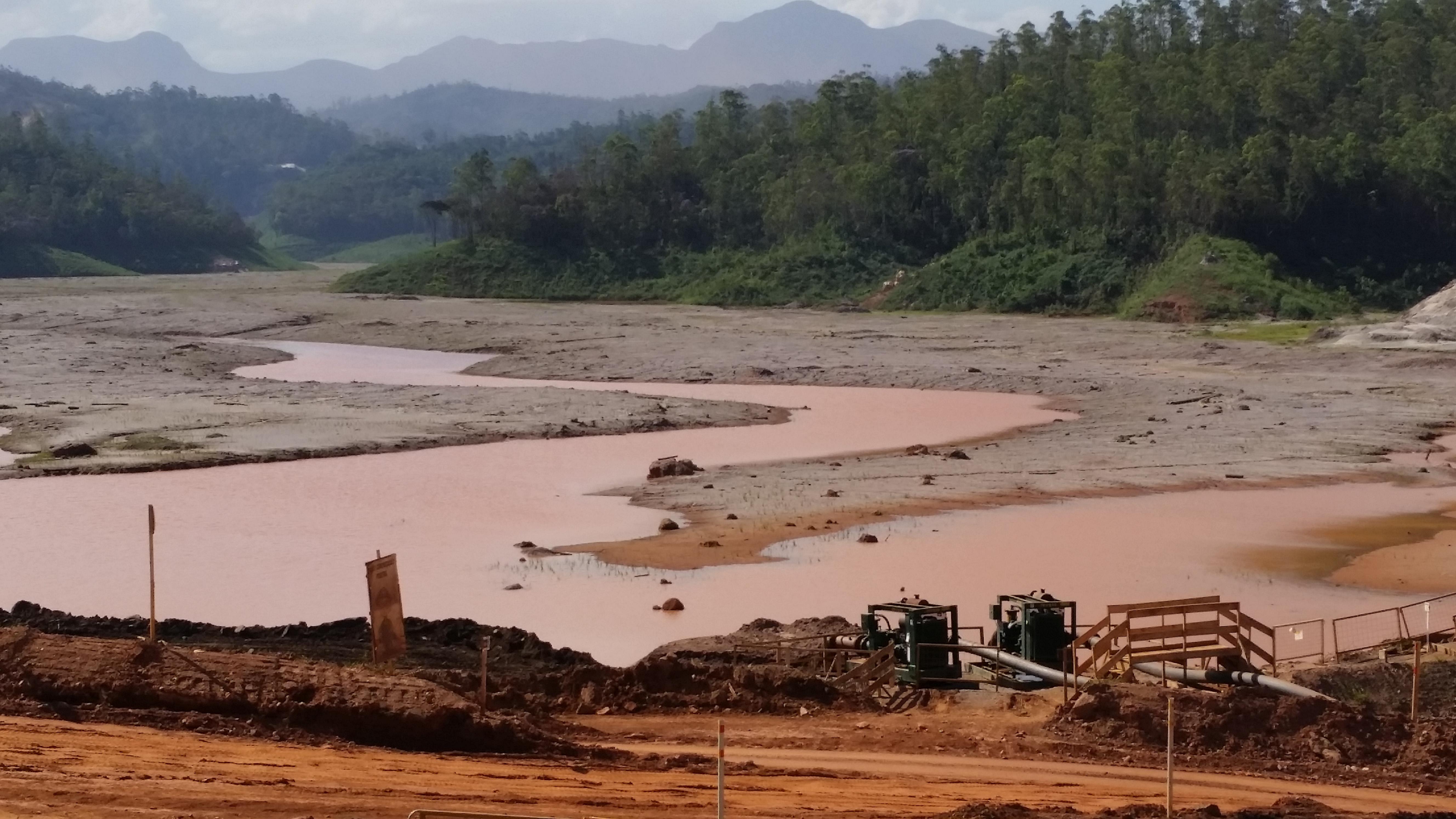 IMAGEM: Câmara aprova projeto que dispensa várias obras de licença ambiental