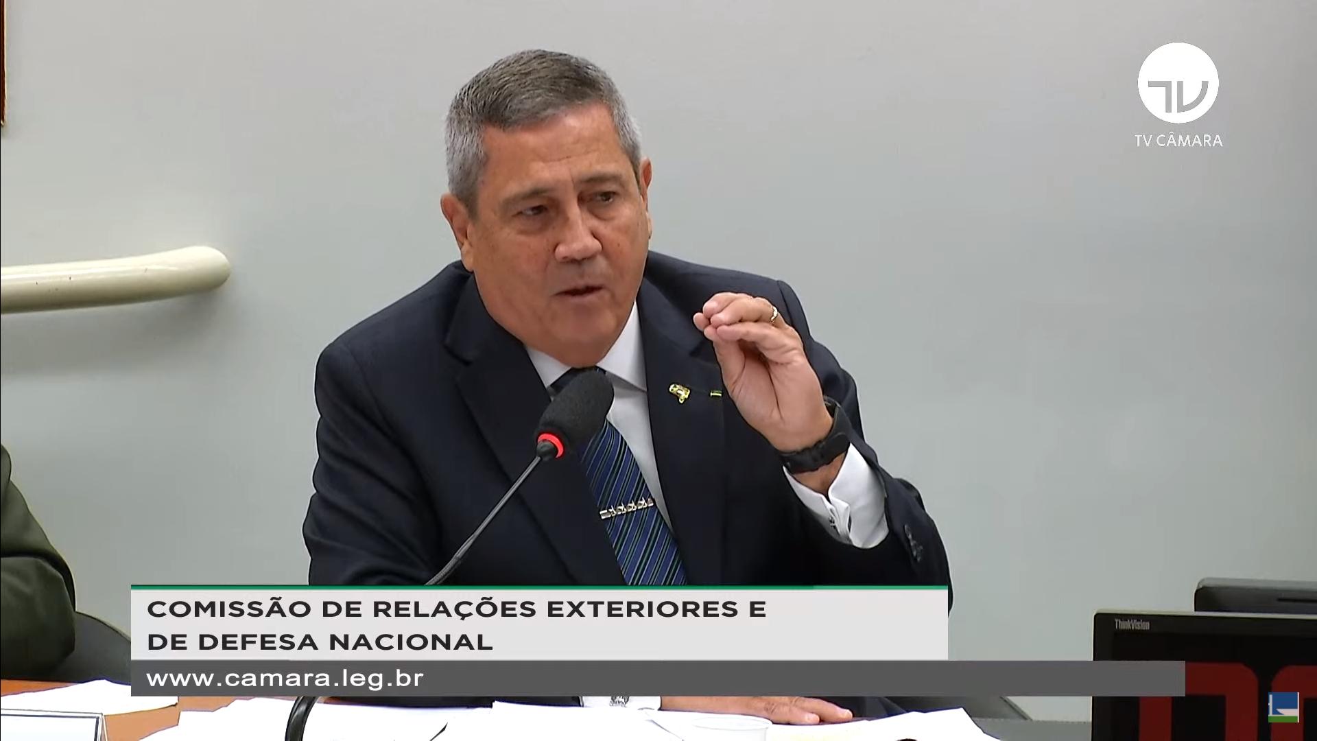 IMAGEM: Braga Netto diz que hospitais militares não são públicos, só recebem 'complemento' do governo