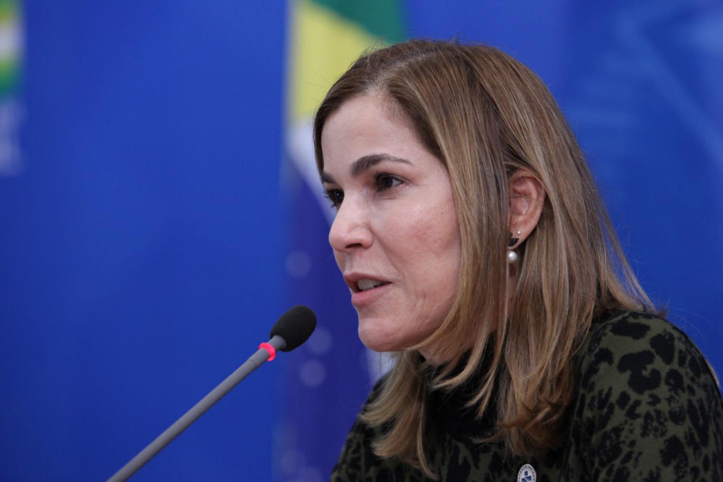 IMAGEM: 'Capitã Cloroquina' pede a STF que impeça CPI de ameaçá-la de prisão