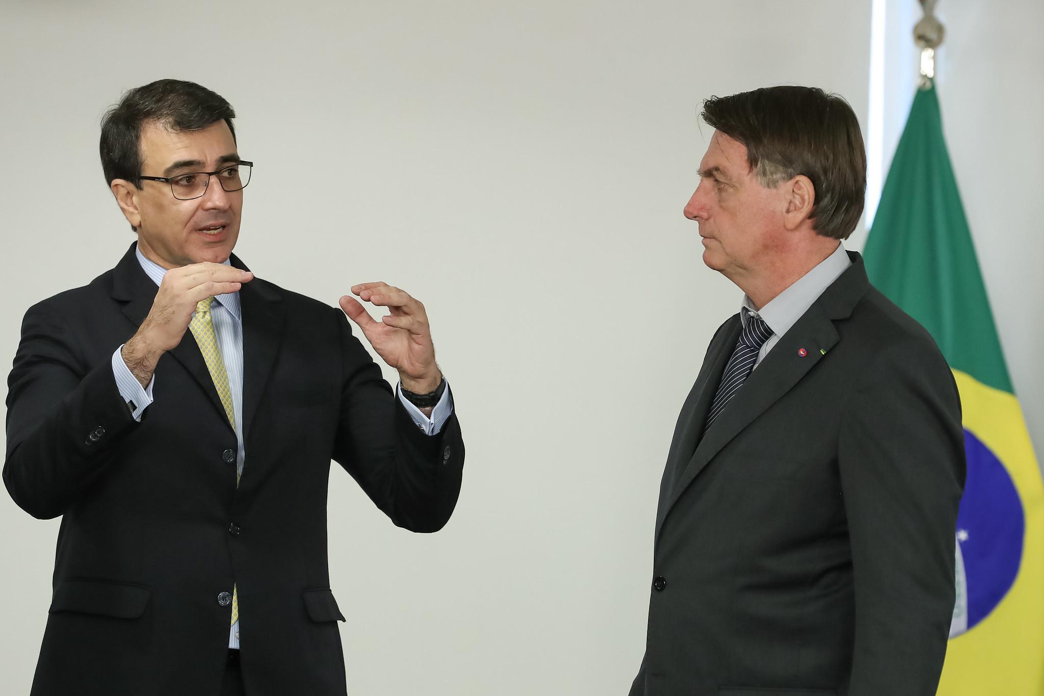 IMAGEM: Em discurso ao G20, Carlos França cita Bolsonaro 5 vezes em 6 minutos