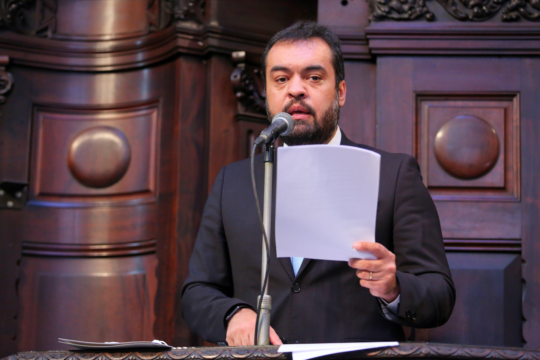 IMAGEM: CPI deve convocar Castro para explicar passeio de moto de Bolsonaro, diz Renan